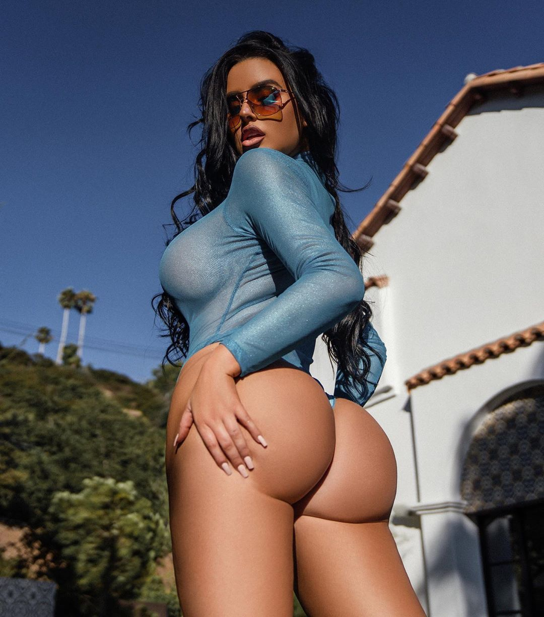 Abigail Ratchford Nude & Sexy 037