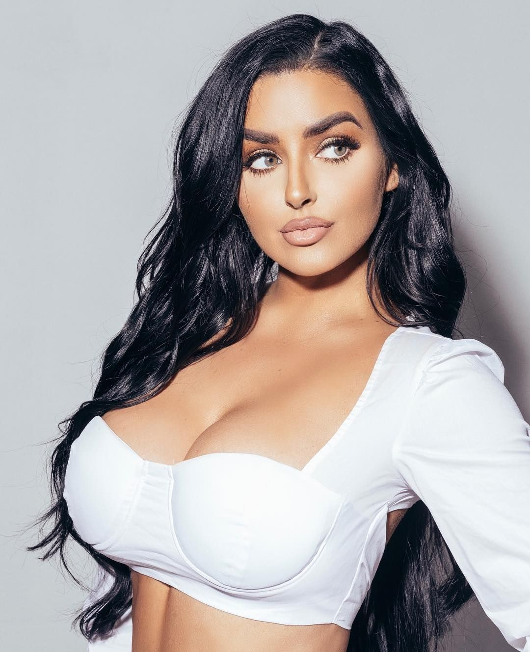 Abigail Ratchford Nude & Sexy 043