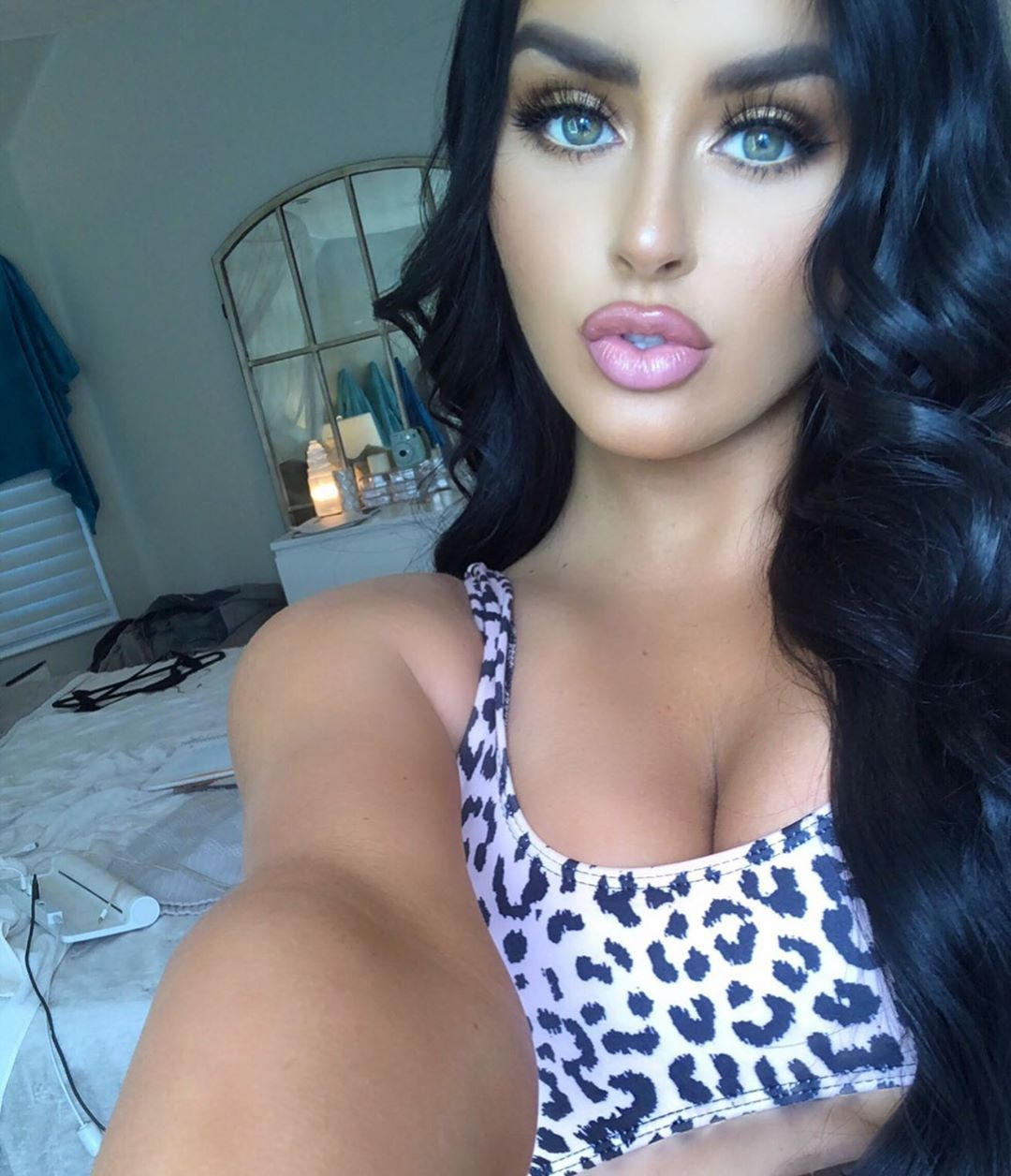Abigail Ratchford Nude & Sexy 059