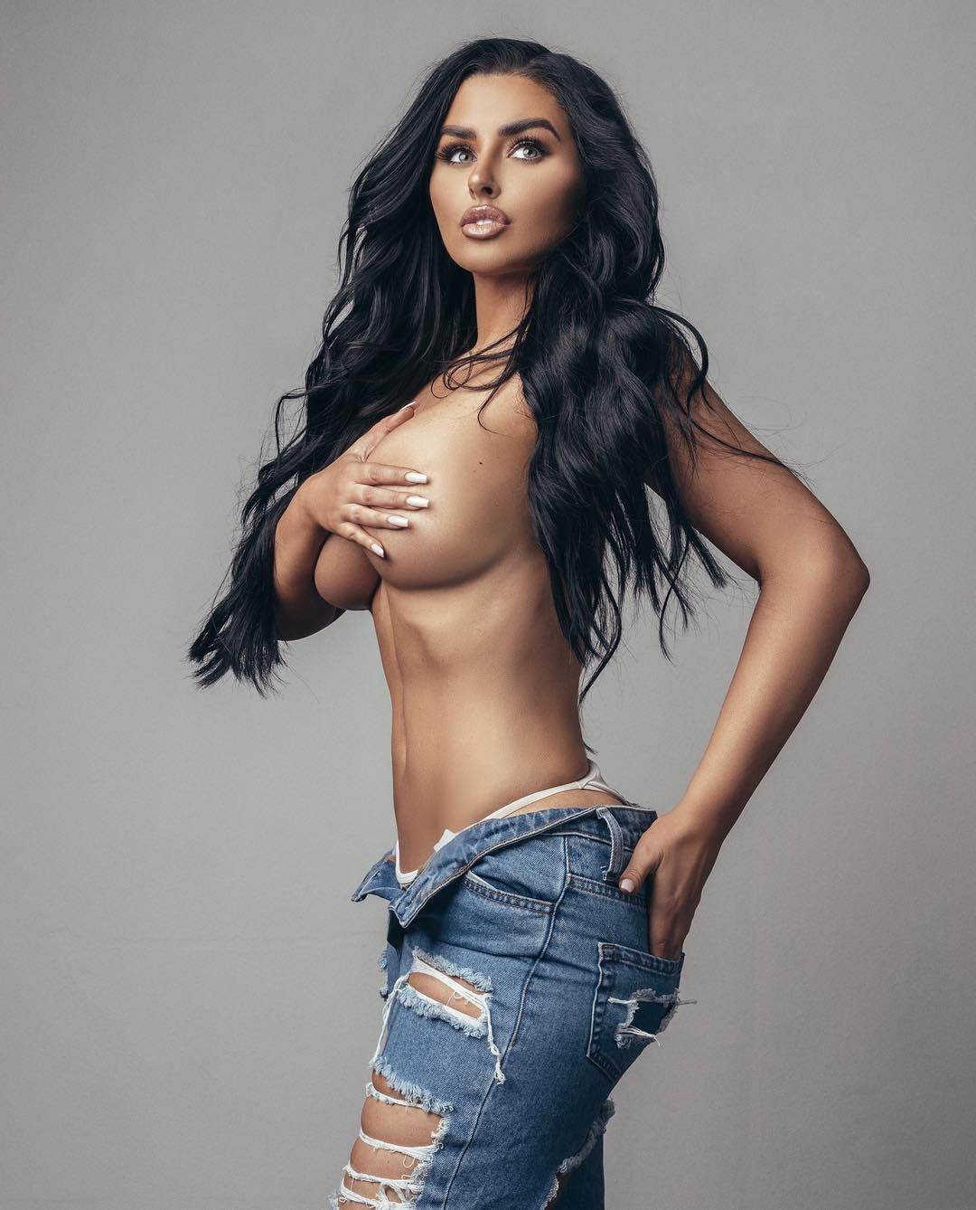 Abigail Ratchford Nude & Sexy 064