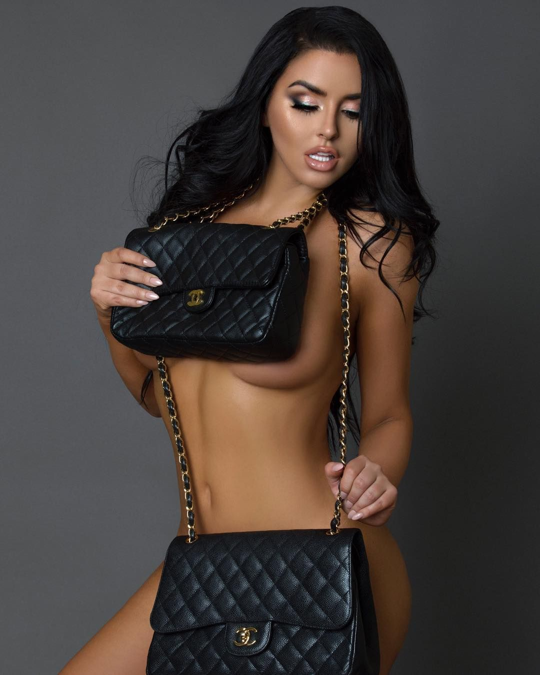 Abigail Ratchford Nude & Sexy 092