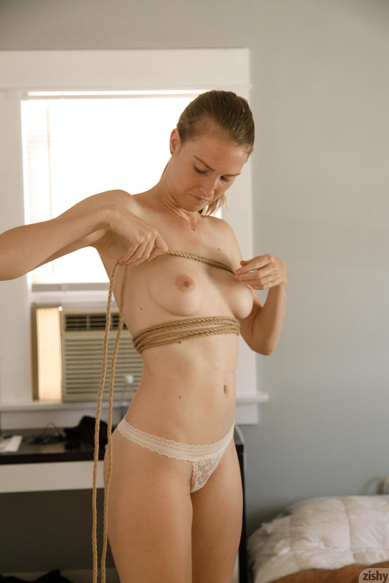 Ashley Lane Rope On Amazon Zishy (24)