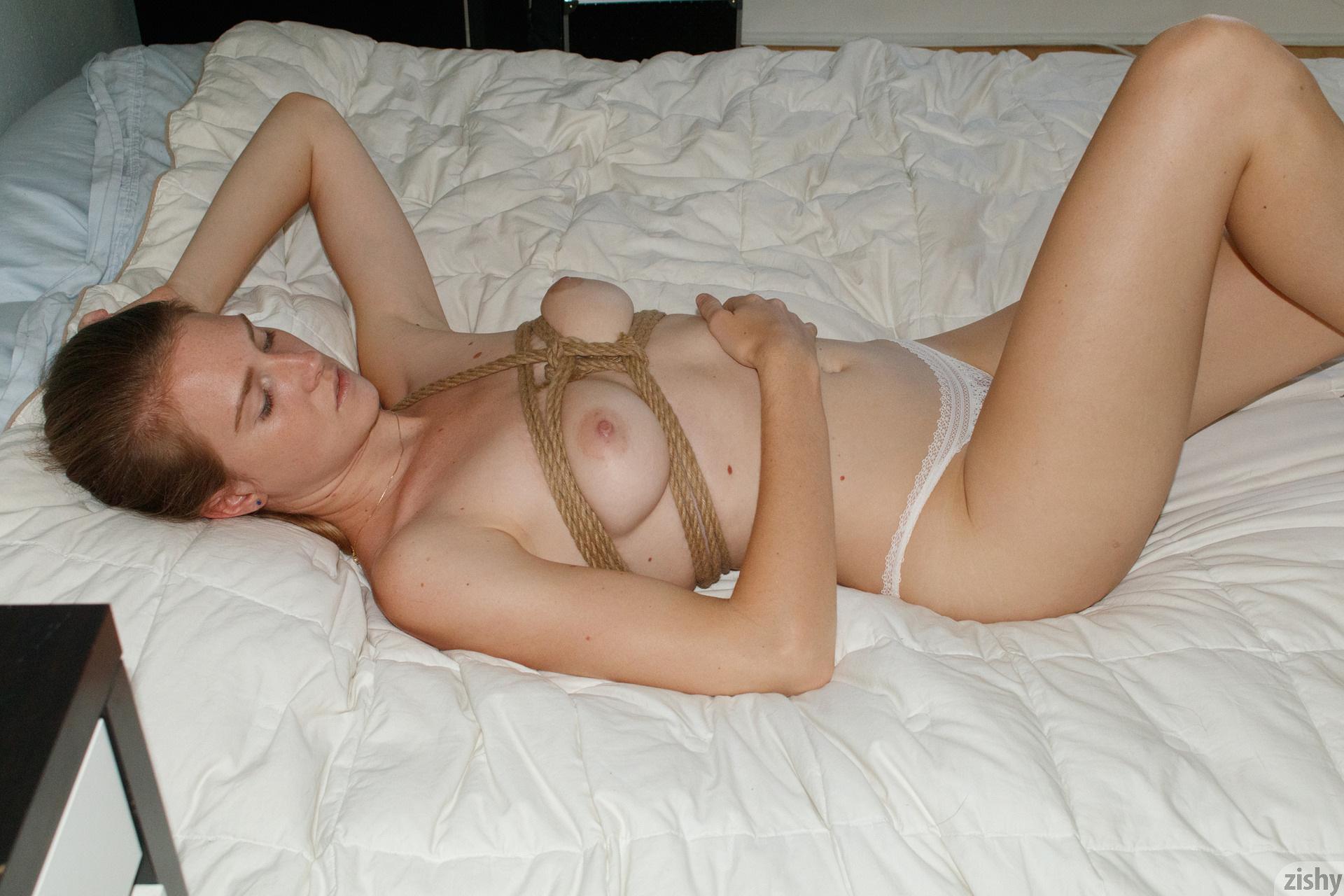 Ashley Lane Rope On Amazon Zishy (38)