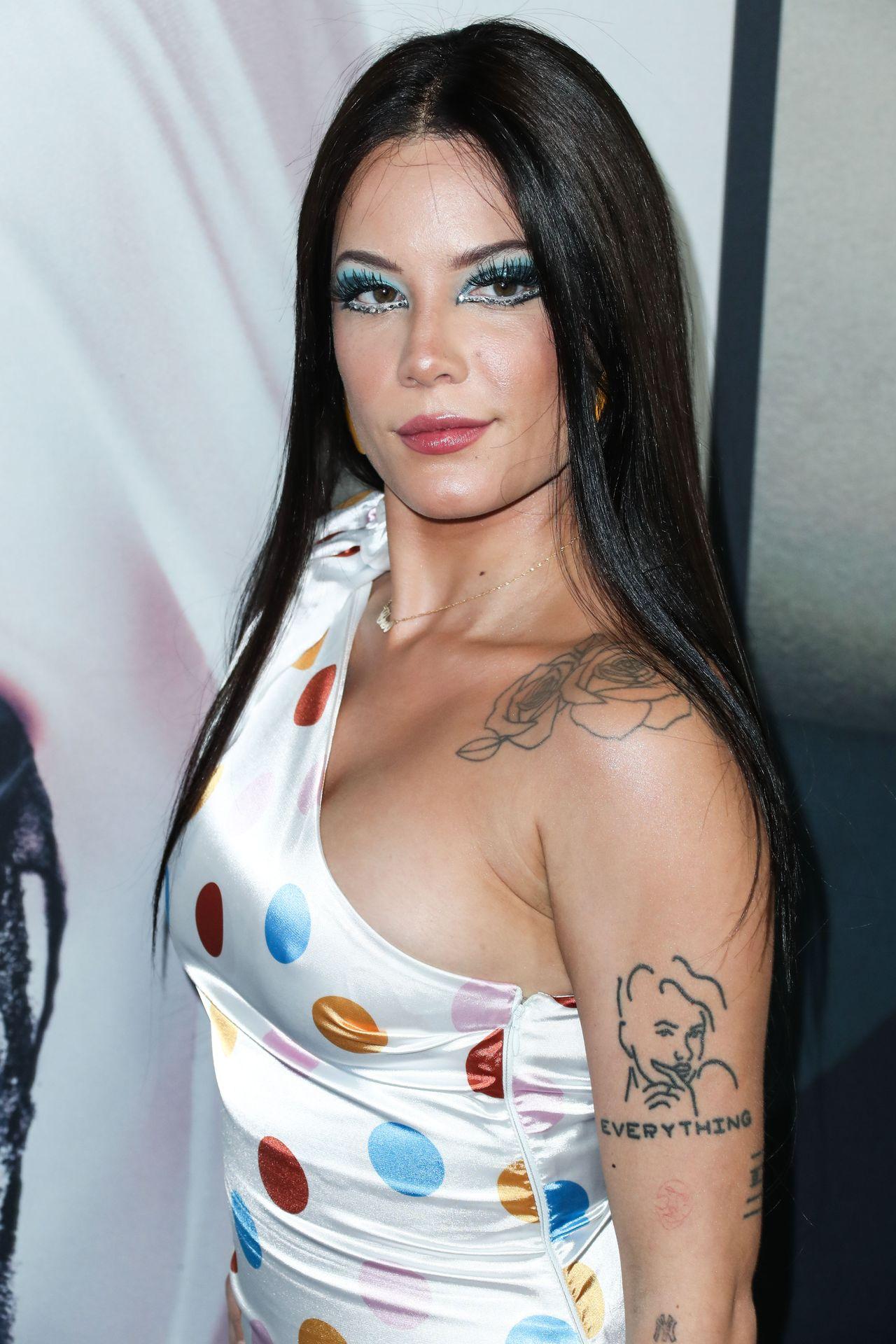 Ashley Nicolette Frangipane Sexy 140
