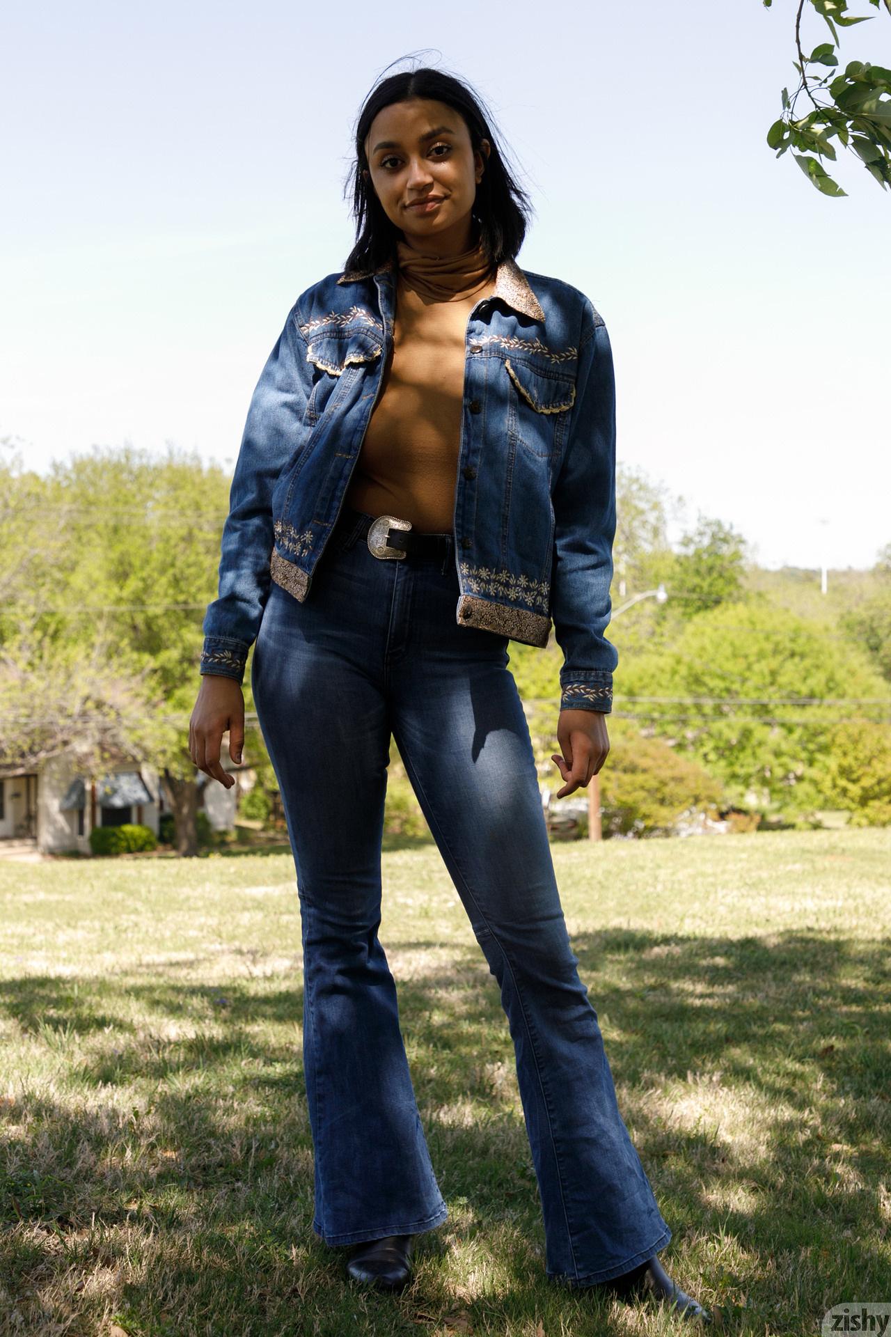 Wynona Gibbs On Texas Feminism Zishy (3)