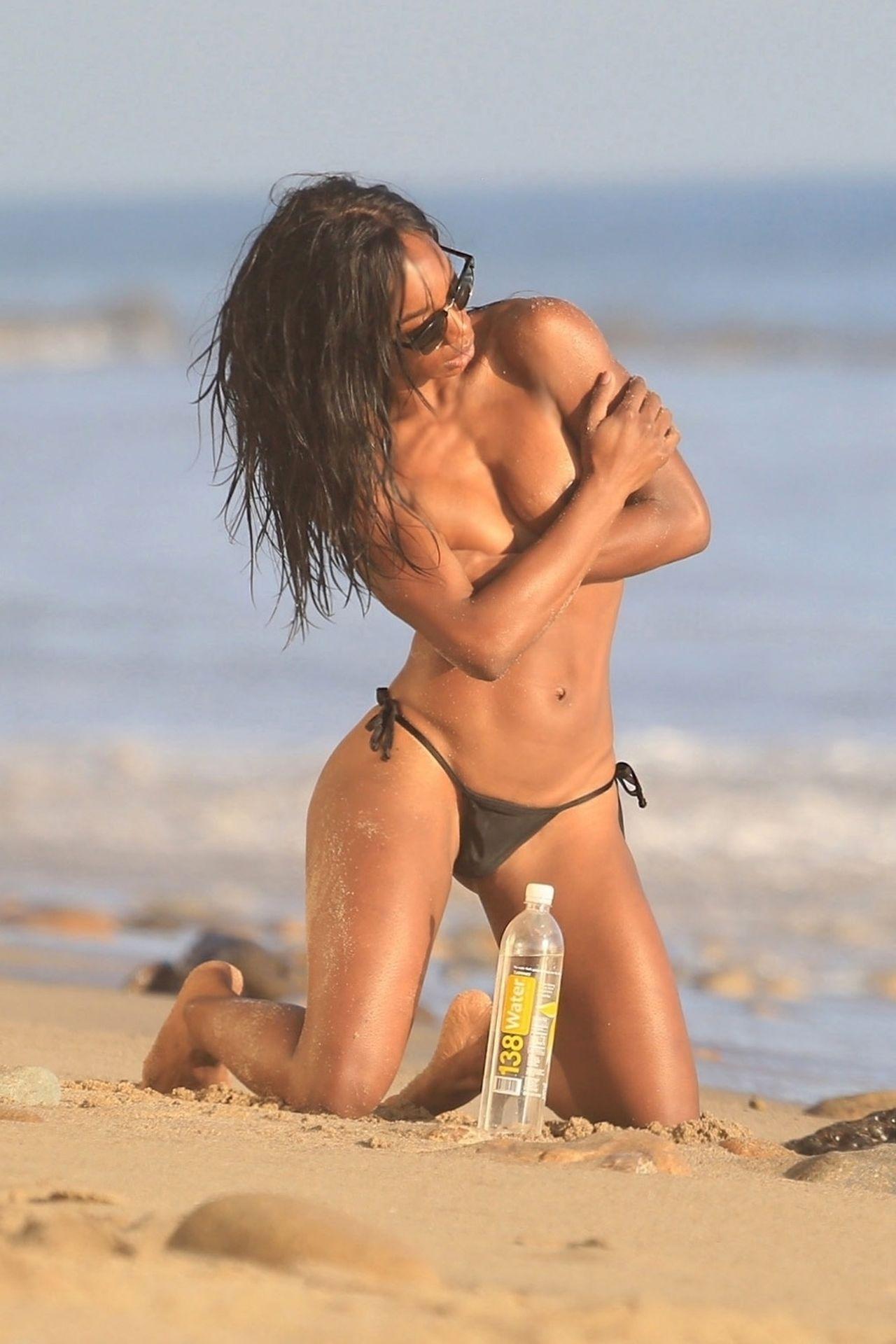 Adrianne Nina Sexy & Topless 0001