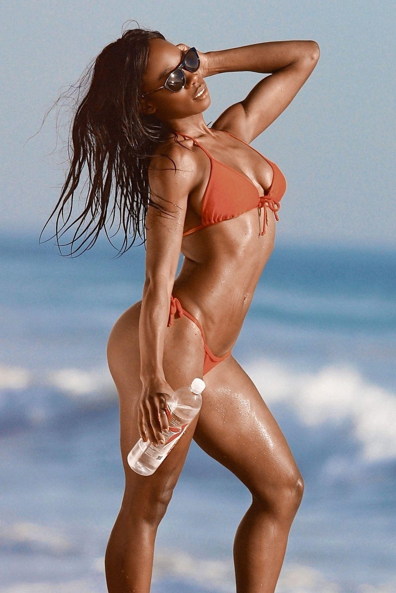 Adrianne Nina Sexy & Topless 0008
