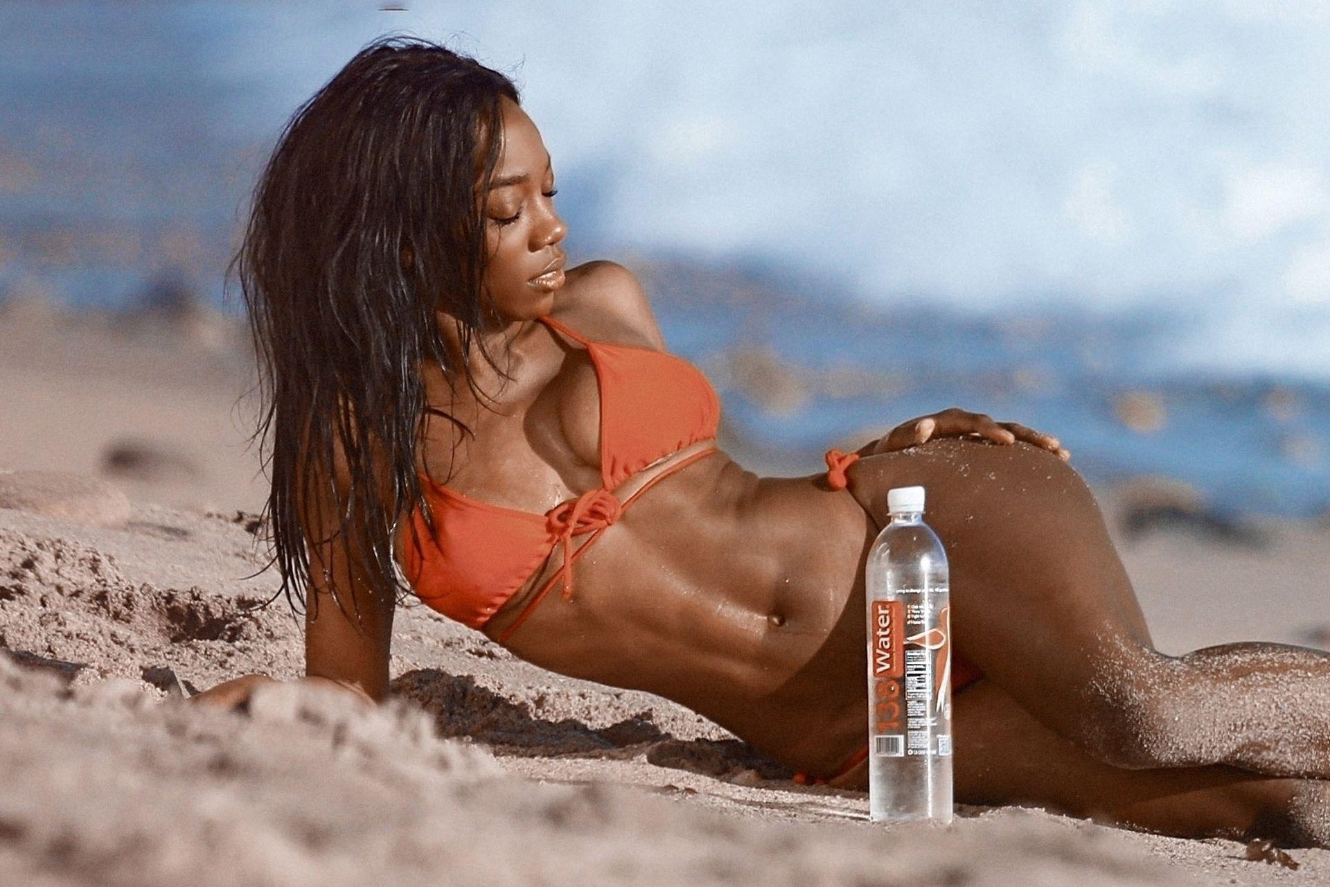 Adrianne Nina Sexy & Topless 0016