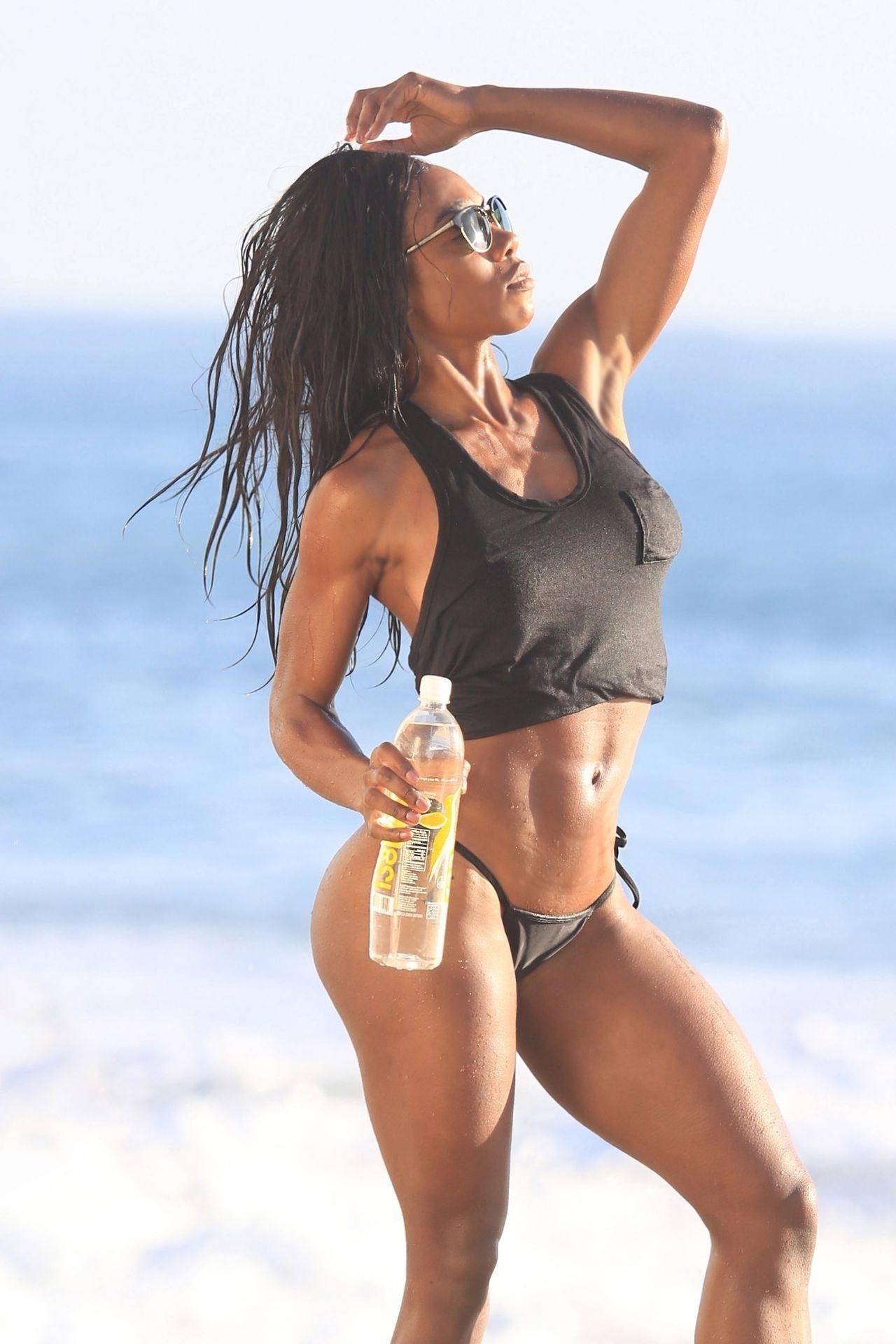Adrianne Nina Sexy & Topless 0022