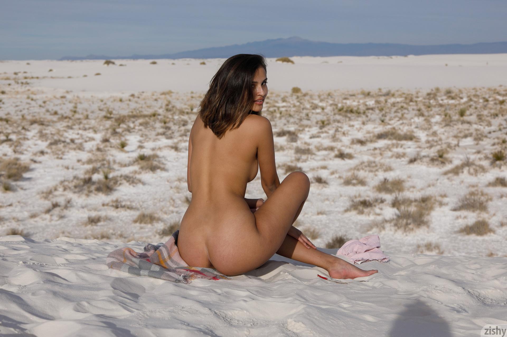 Alejandra Cobos White Sands 3 Zishy (21)