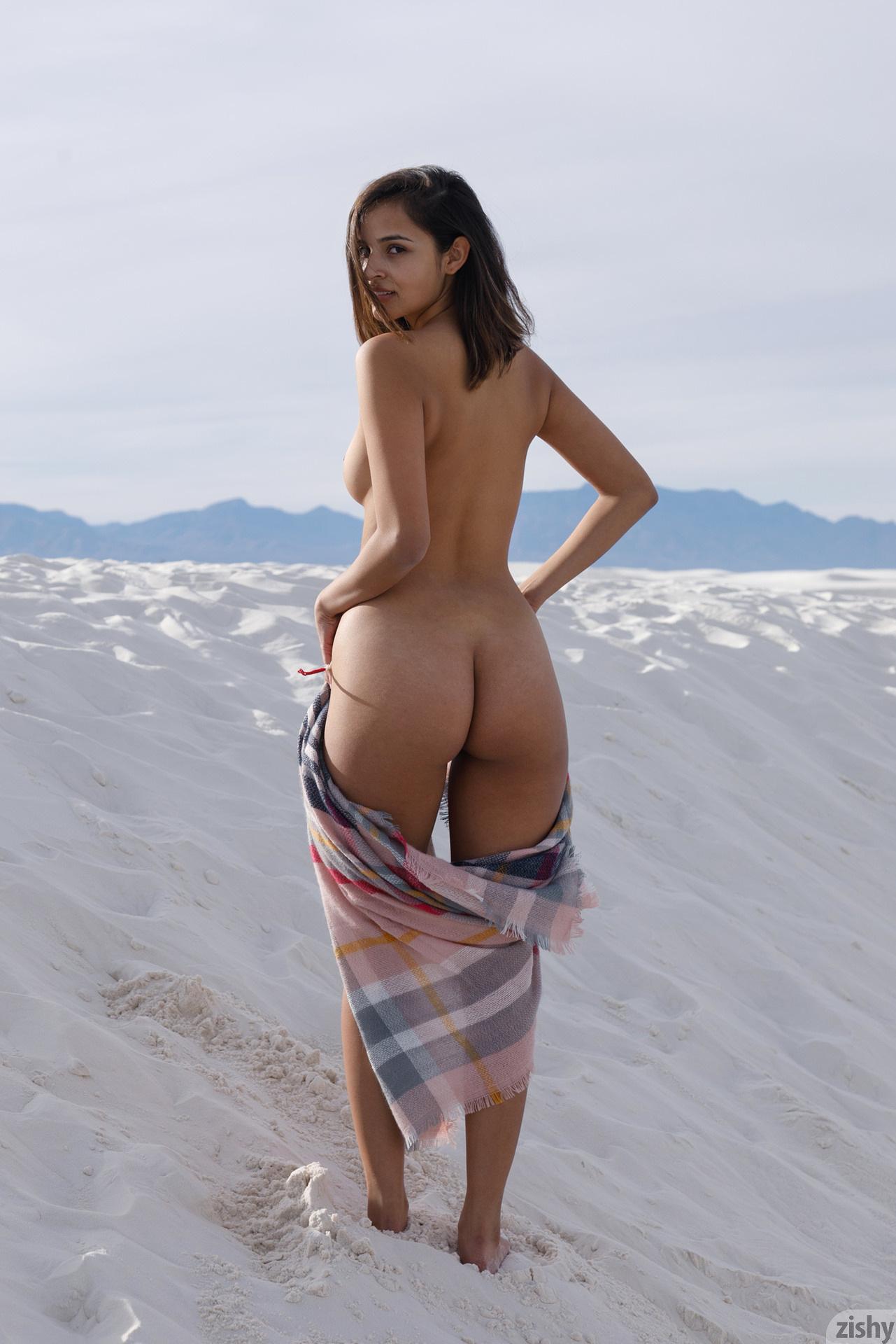 Alejandra Cobos White Sands 3 Zishy (3)