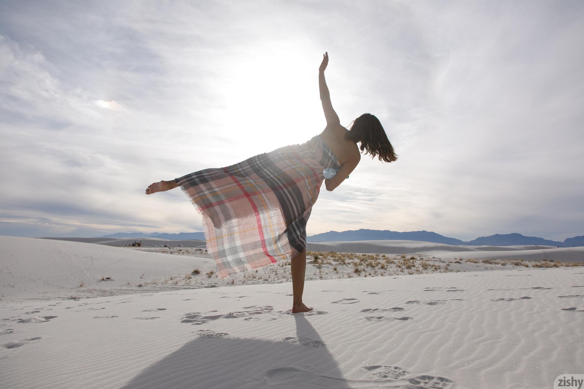 Alejandra Cobos White Sands 3 Zishy (33)