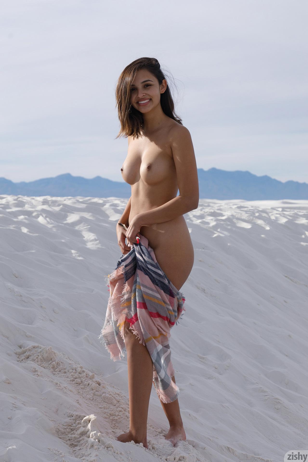 Alejandra Cobos White Sands 3 Zishy (5)