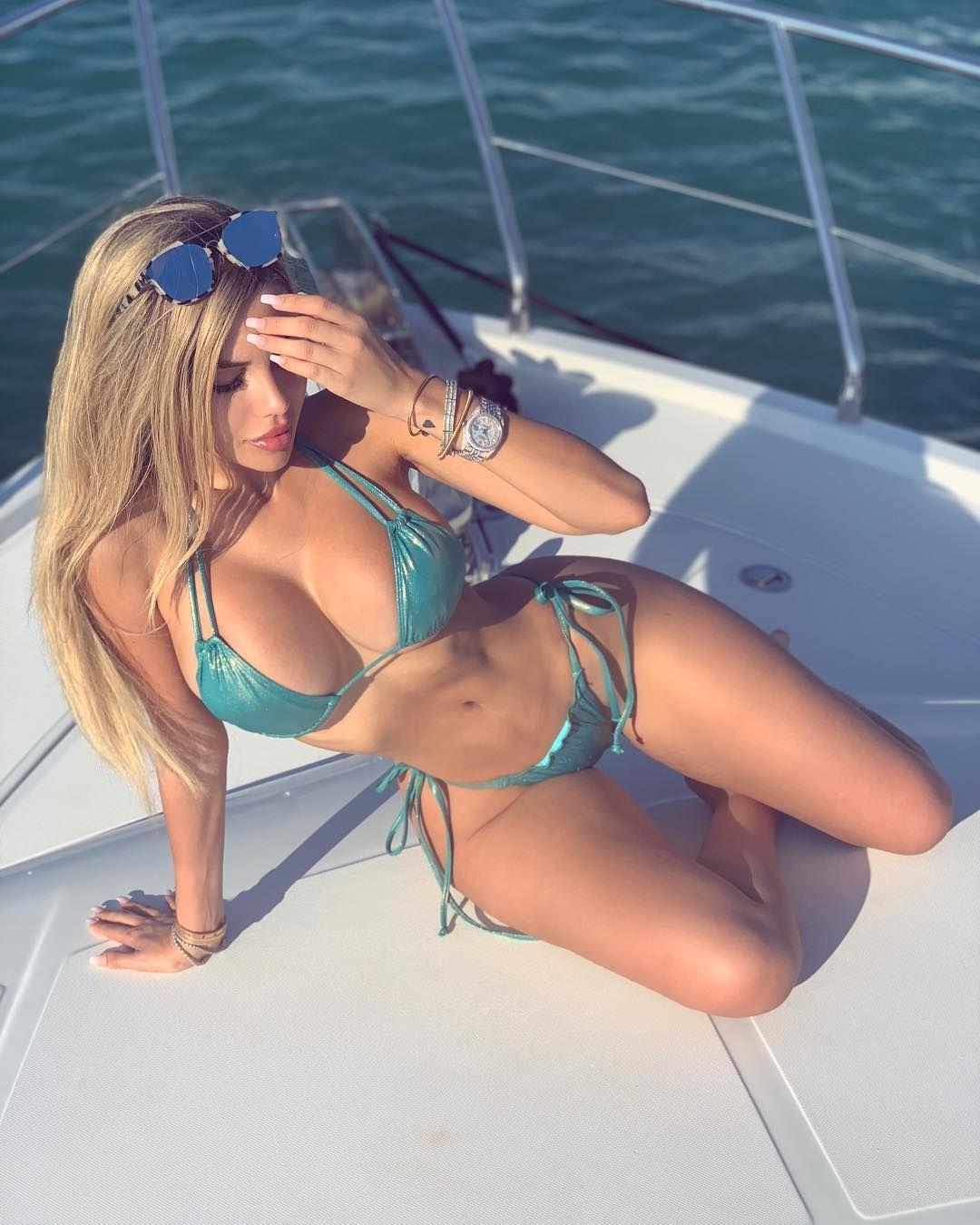 Alexa Dellanos Sexy 0086