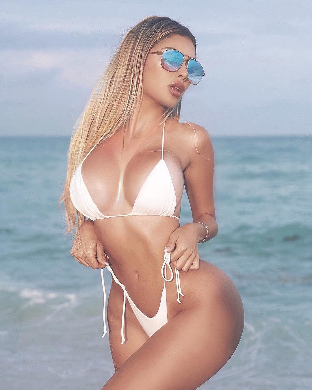 Alexa Dellanos Sexy 0106