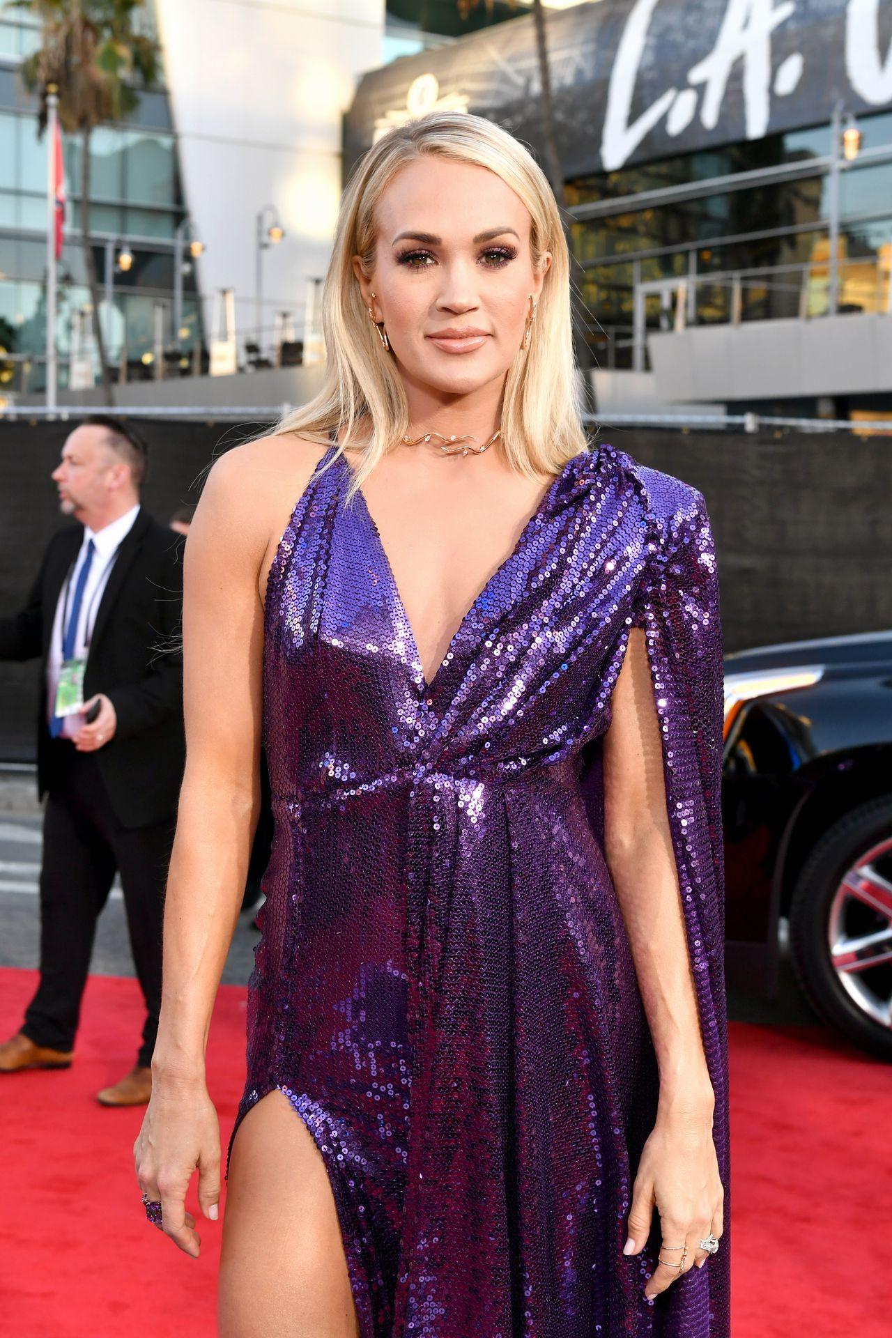Carrie Underwood Sexy 0011
