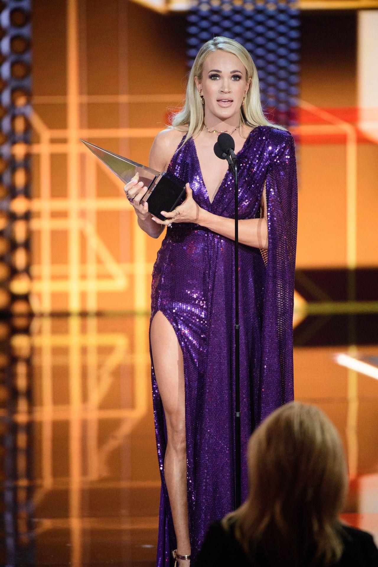 Carrie Underwood Sexy 0021