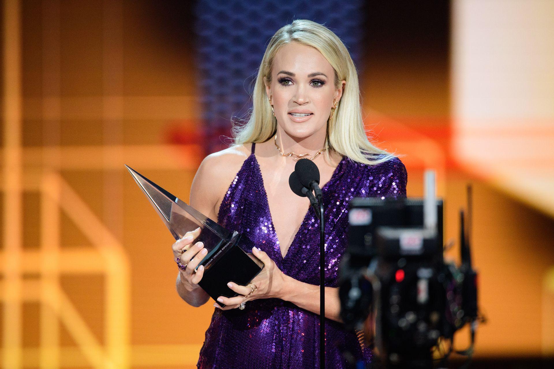 Carrie Underwood Sexy 0024