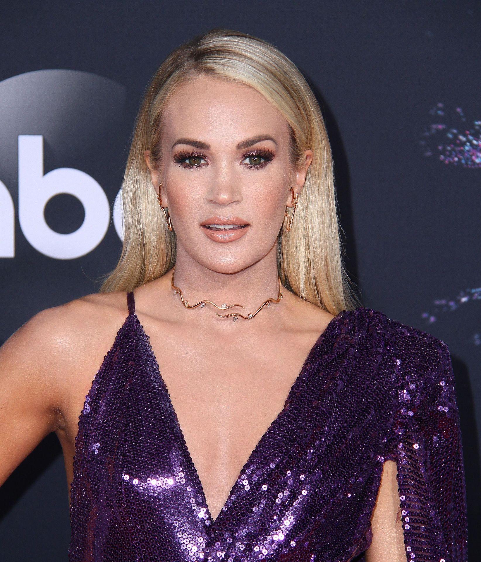 Carrie Underwood Sexy 0050