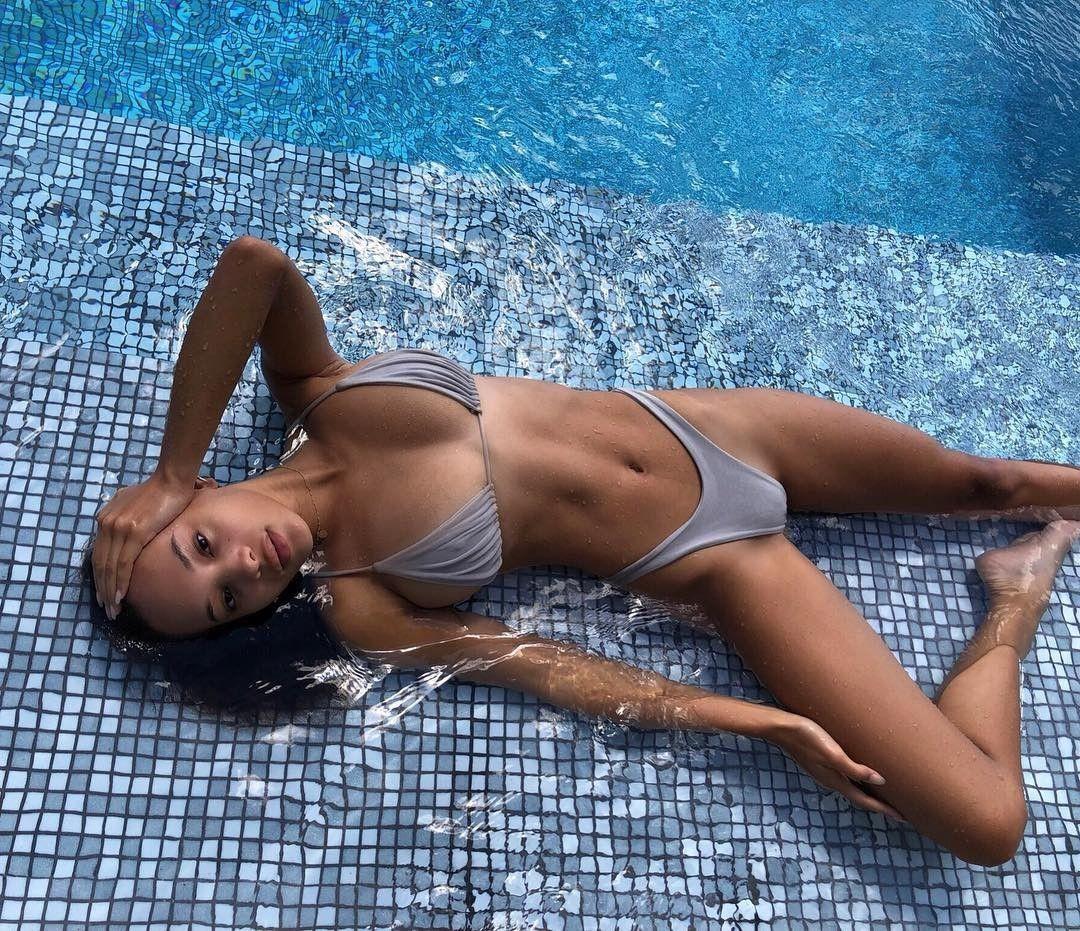 Jamea Lynee Nude & Sexy 0051