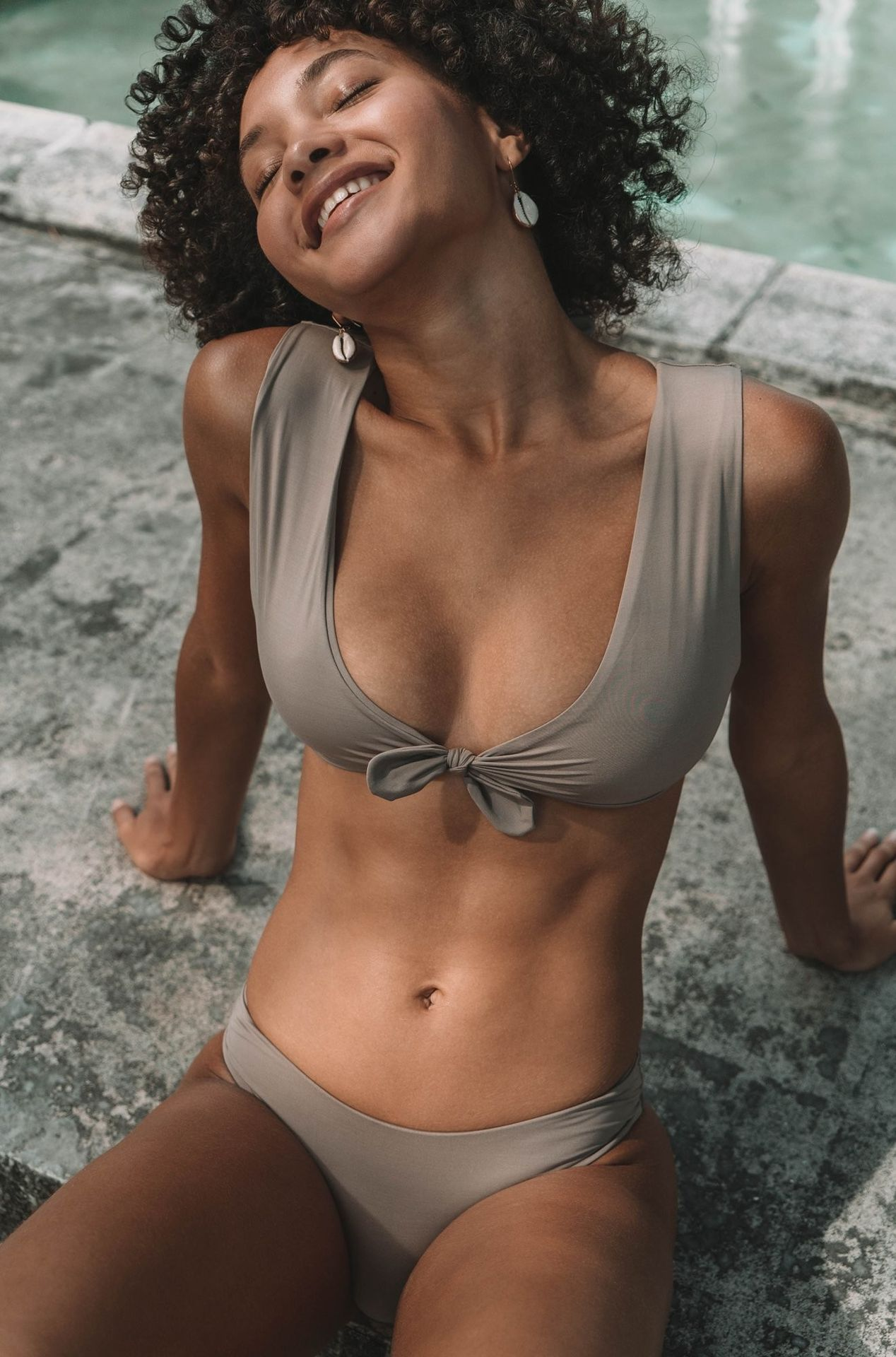 Jamea Lynee Nude & Sexy 0075
