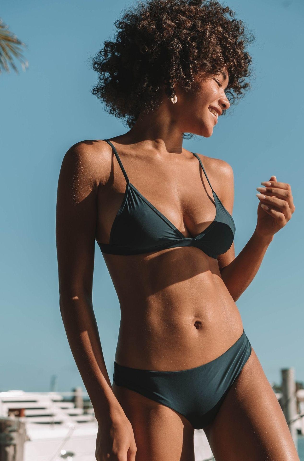 Jamea Lynee Nude & Sexy 0102