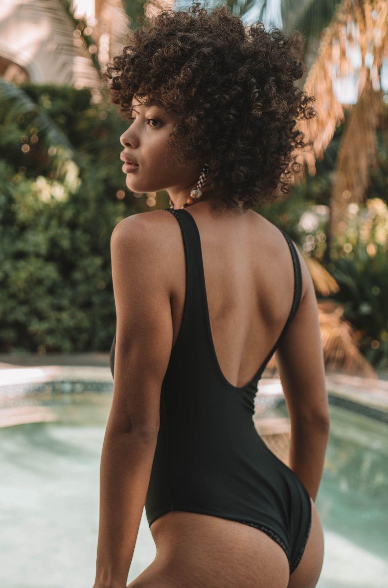 Jamea Lynee Nude & Sexy 0113