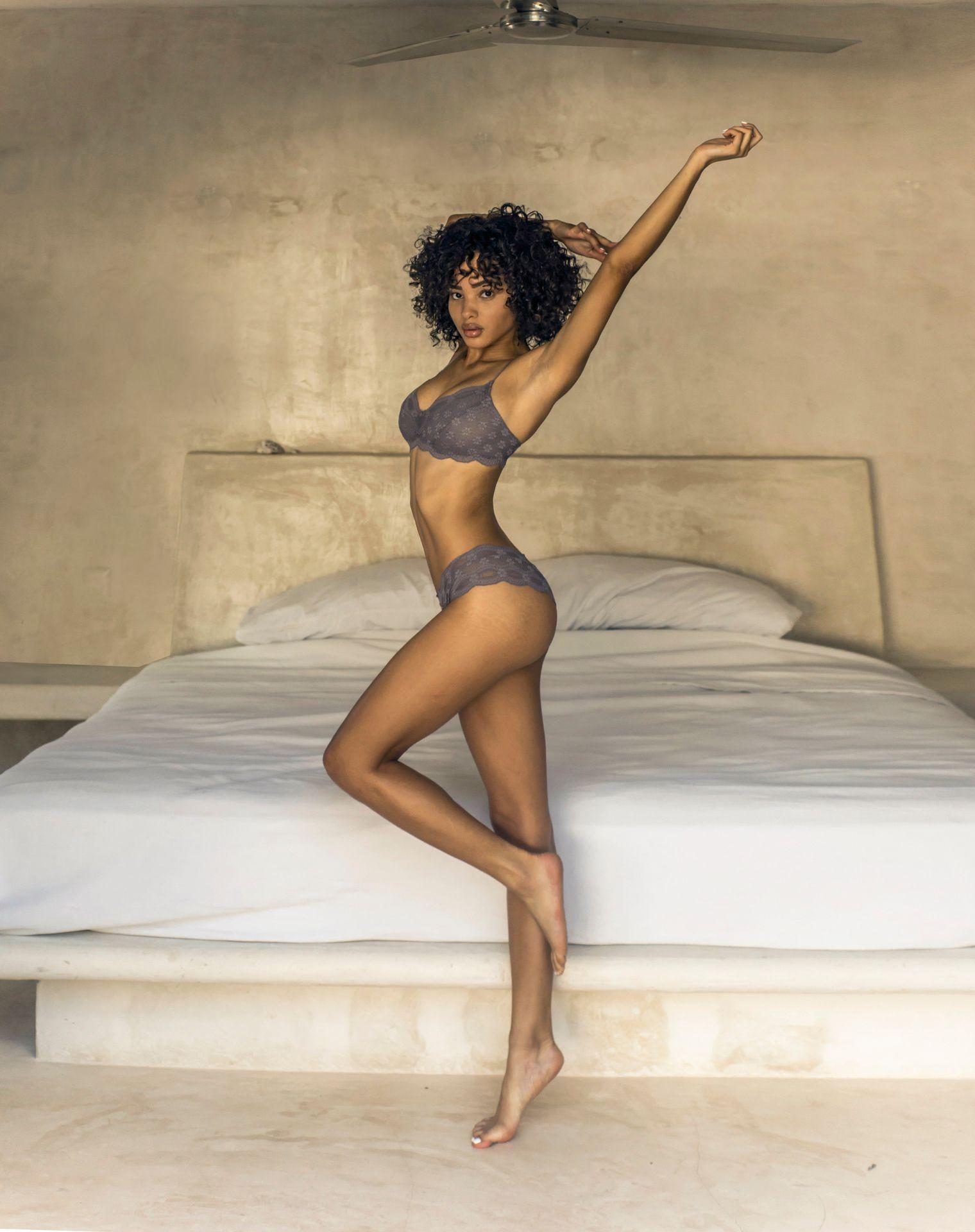 Jamea Lynee Nude & Sexy 0125