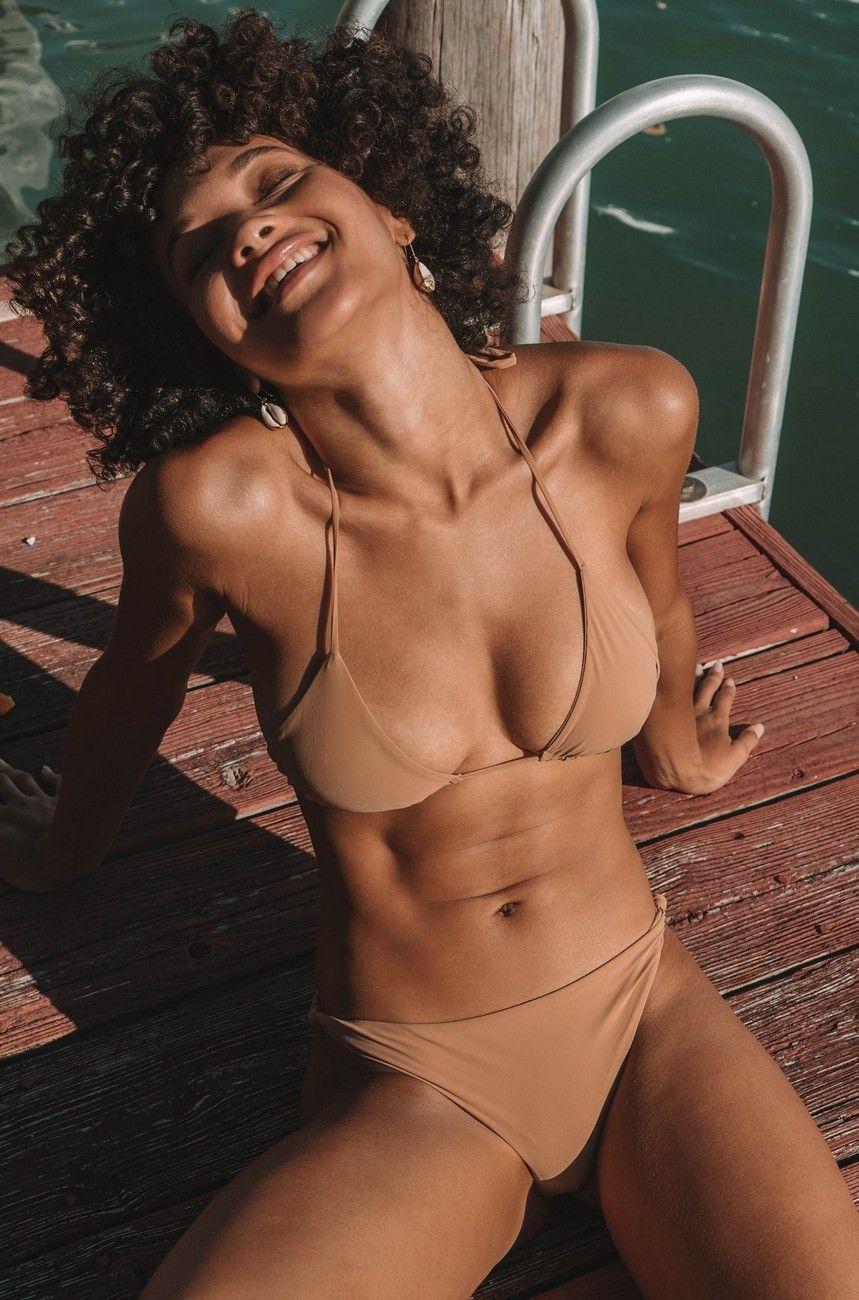 Jamea Lynee Nude & Sexy 0132