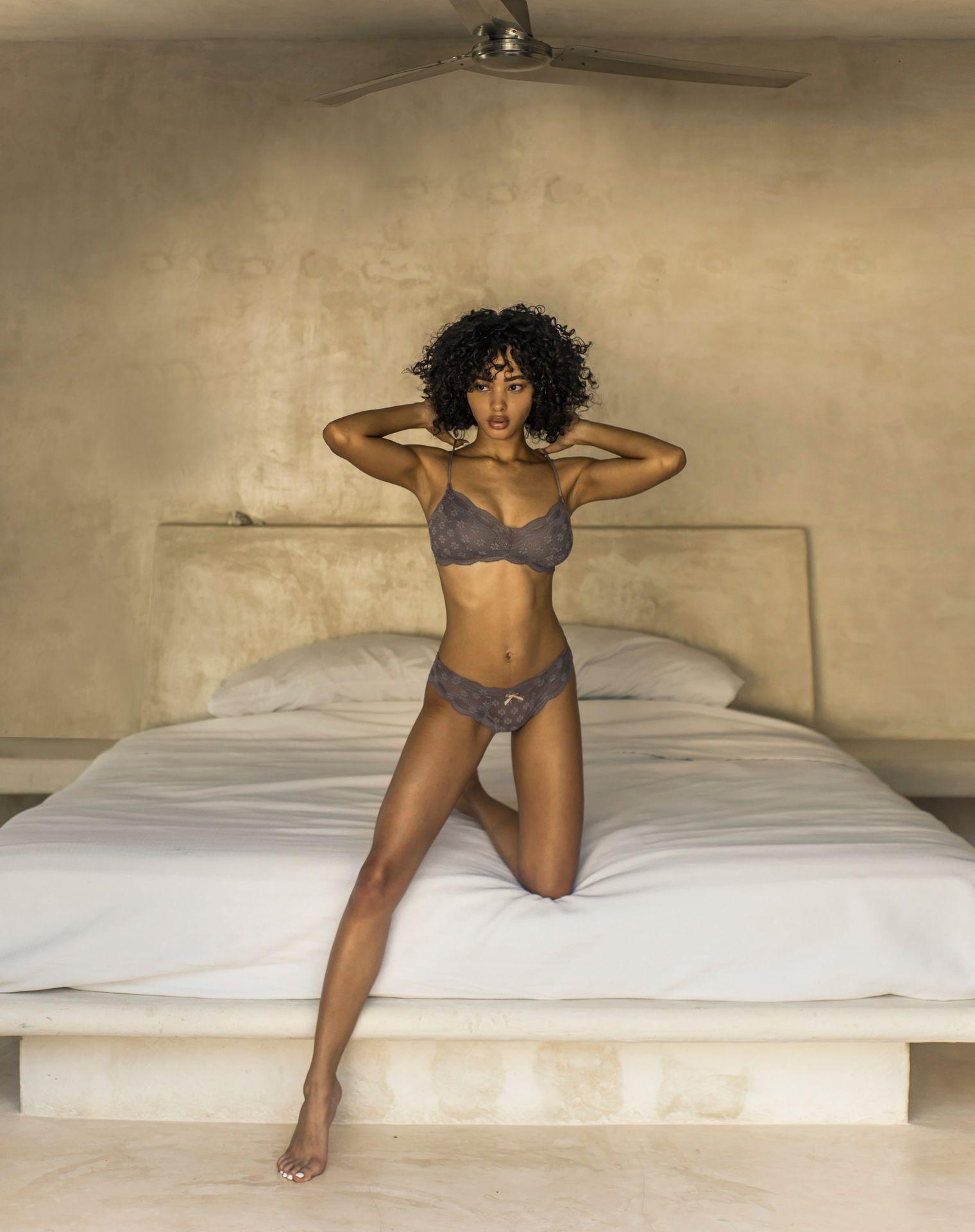 Jamea Lynee Nude & Sexy 0139