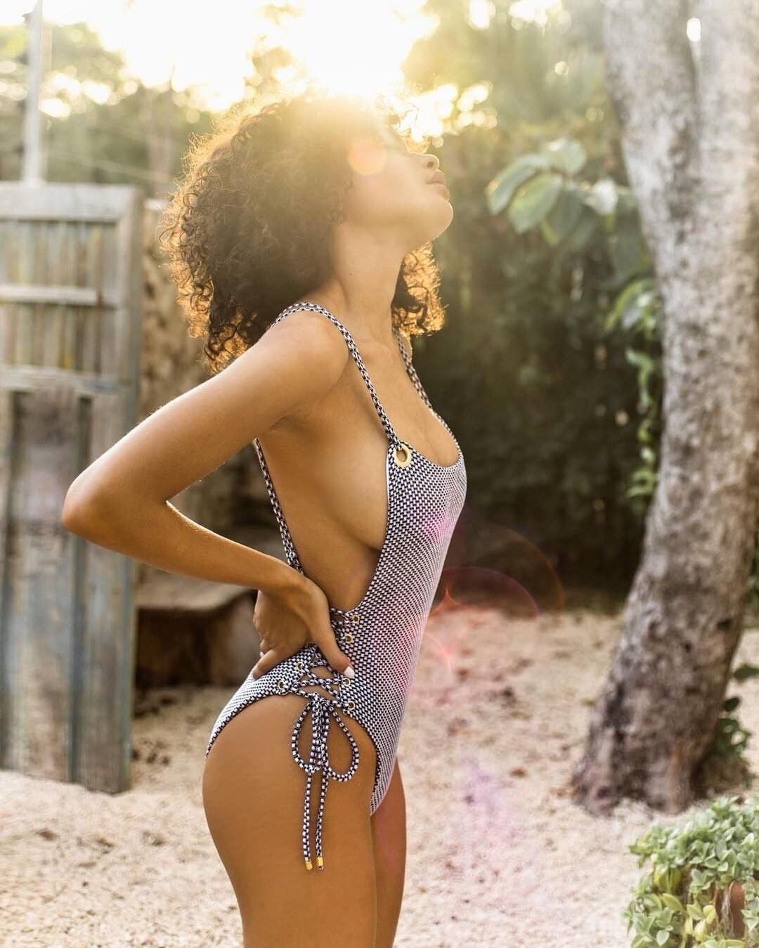 Jamea Lynee Nude & Sexy 0162