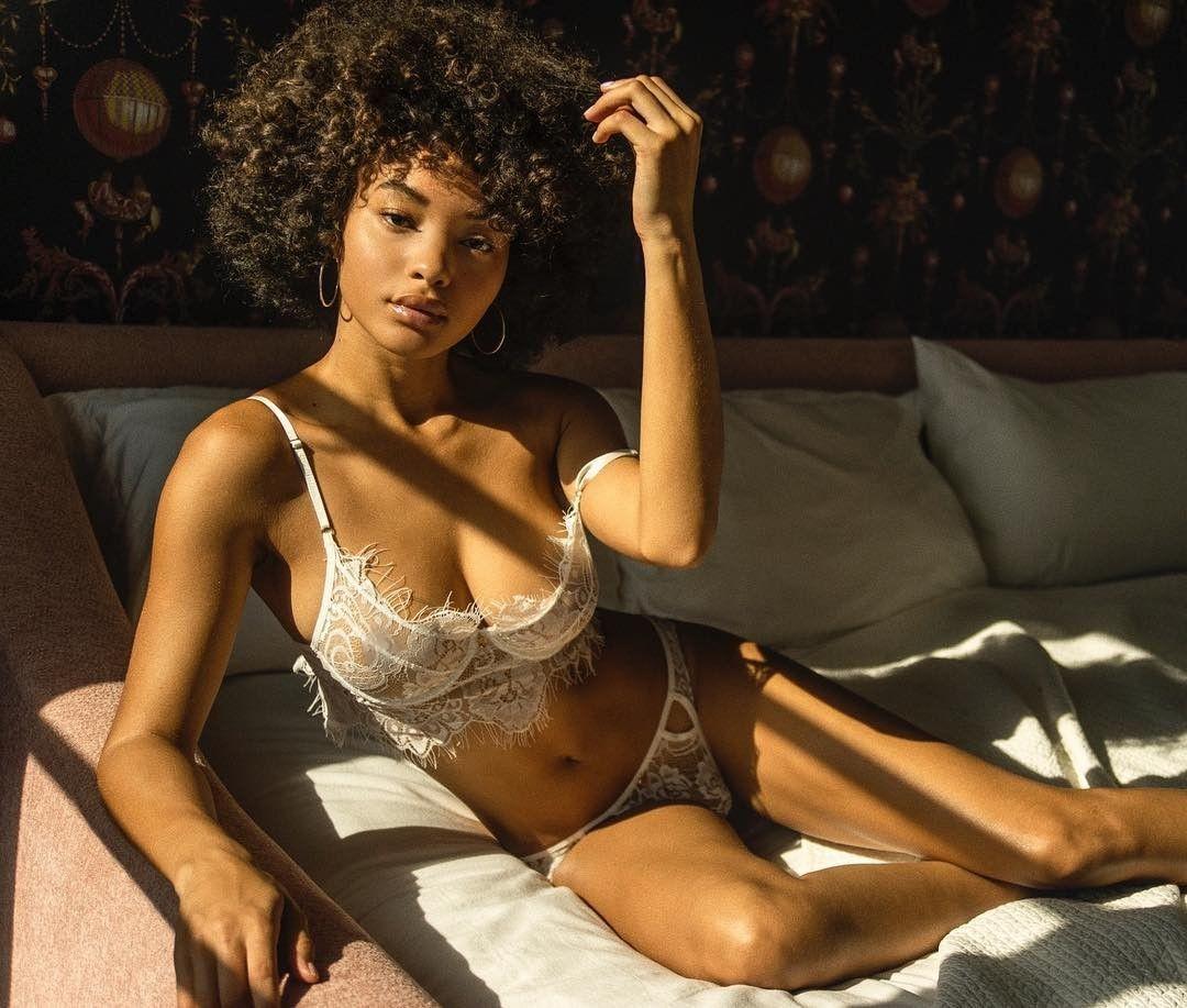 Jamea Lynee Nude & Sexy 0189