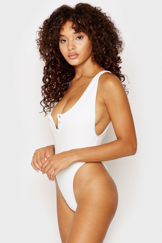 Jamea Lynee Nude & Sexy 0191