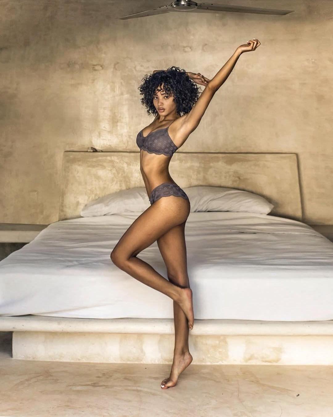 Jamea Lynee Nude & Sexy 0208