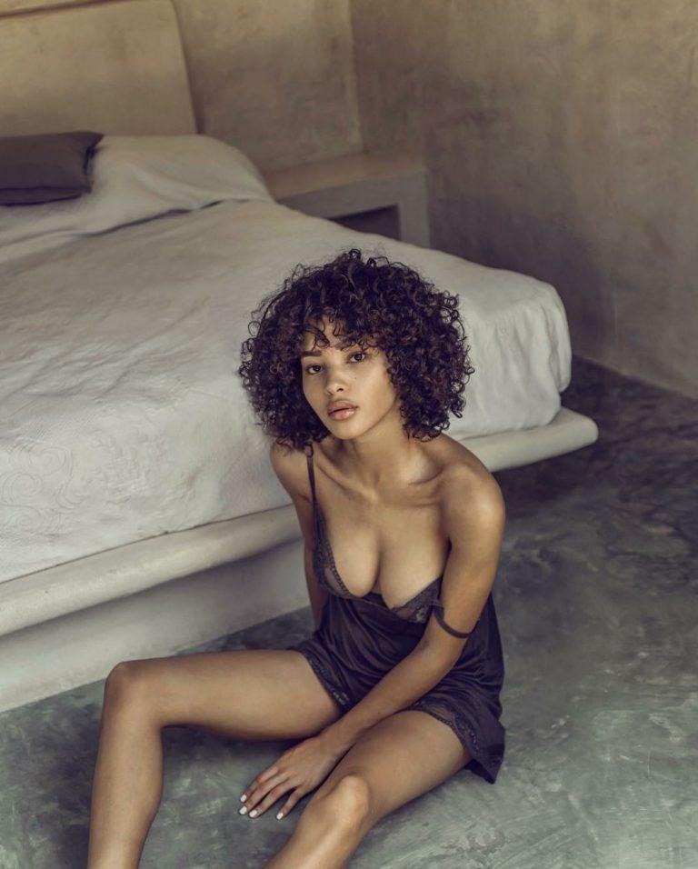 Jamea Lynee Nude & Sexy 0215
