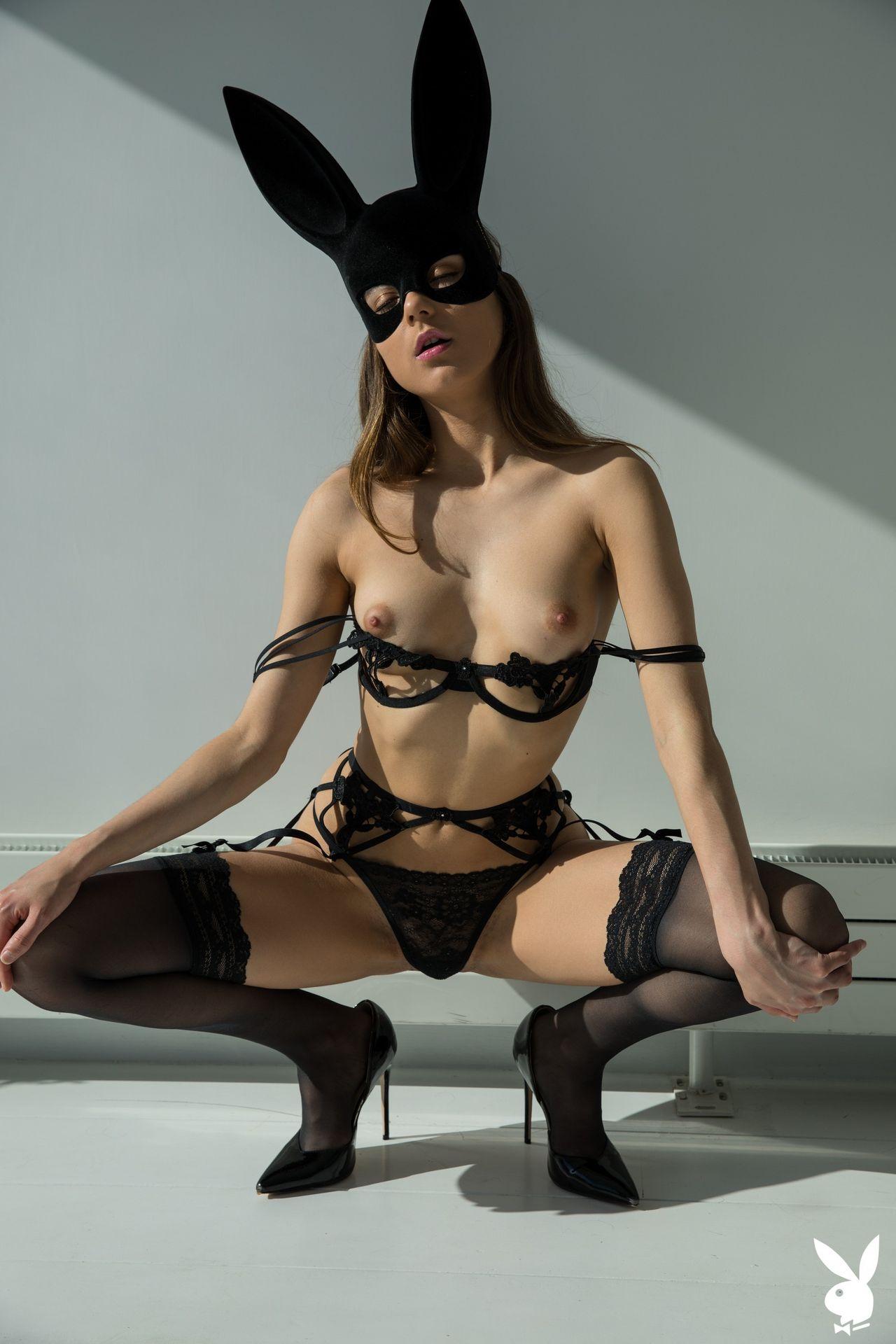 Karoline Cc Nude – Intimate Scene 0008