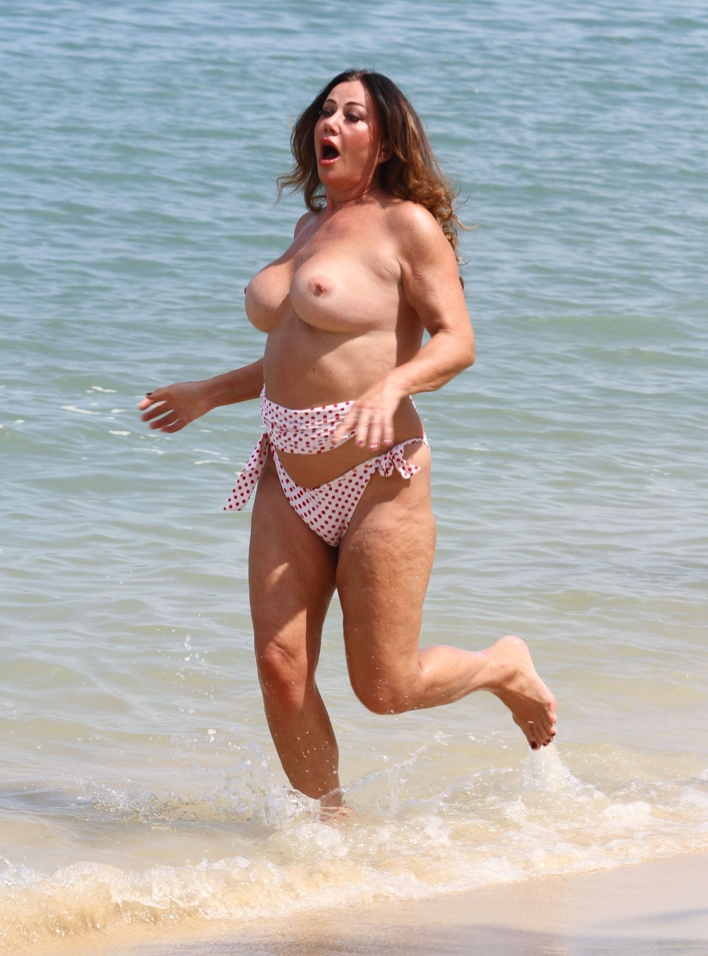 Lisa Appleton Hot & Topless 0001