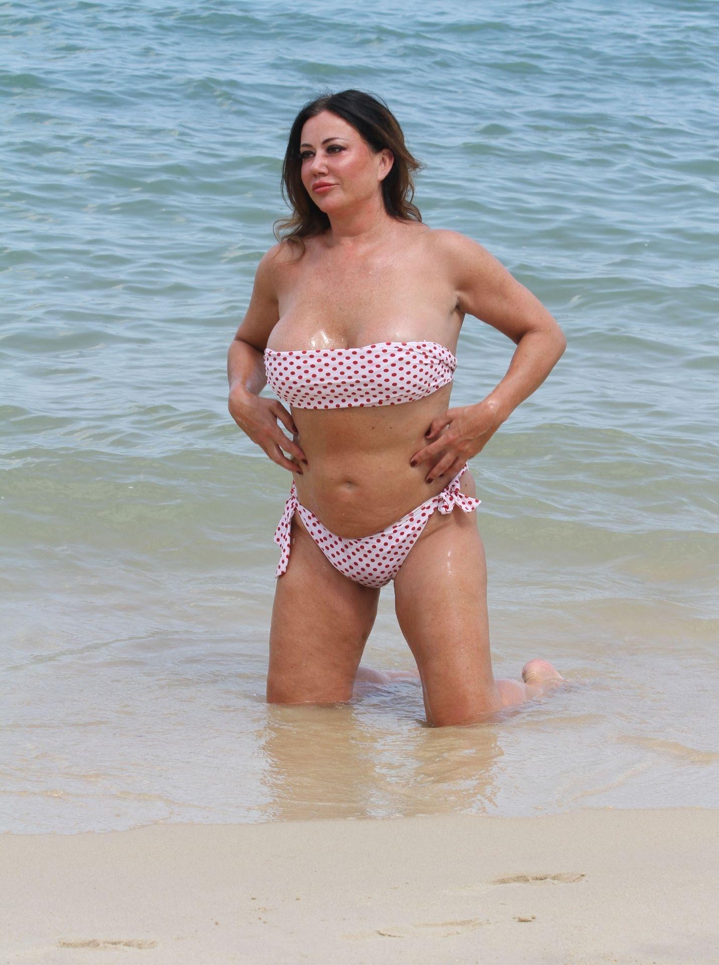 Lisa Appleton Hot & Topless 0003