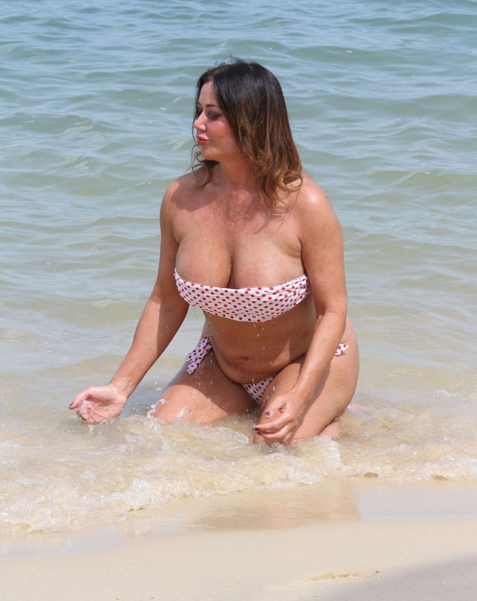 Lisa Appleton Hot & Topless 0008