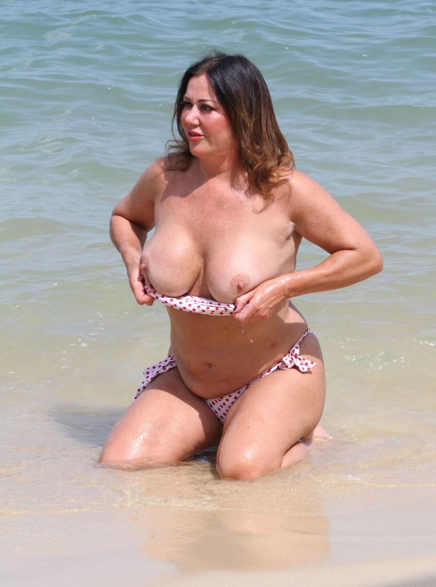 Lisa Appleton Hot & Topless 0011