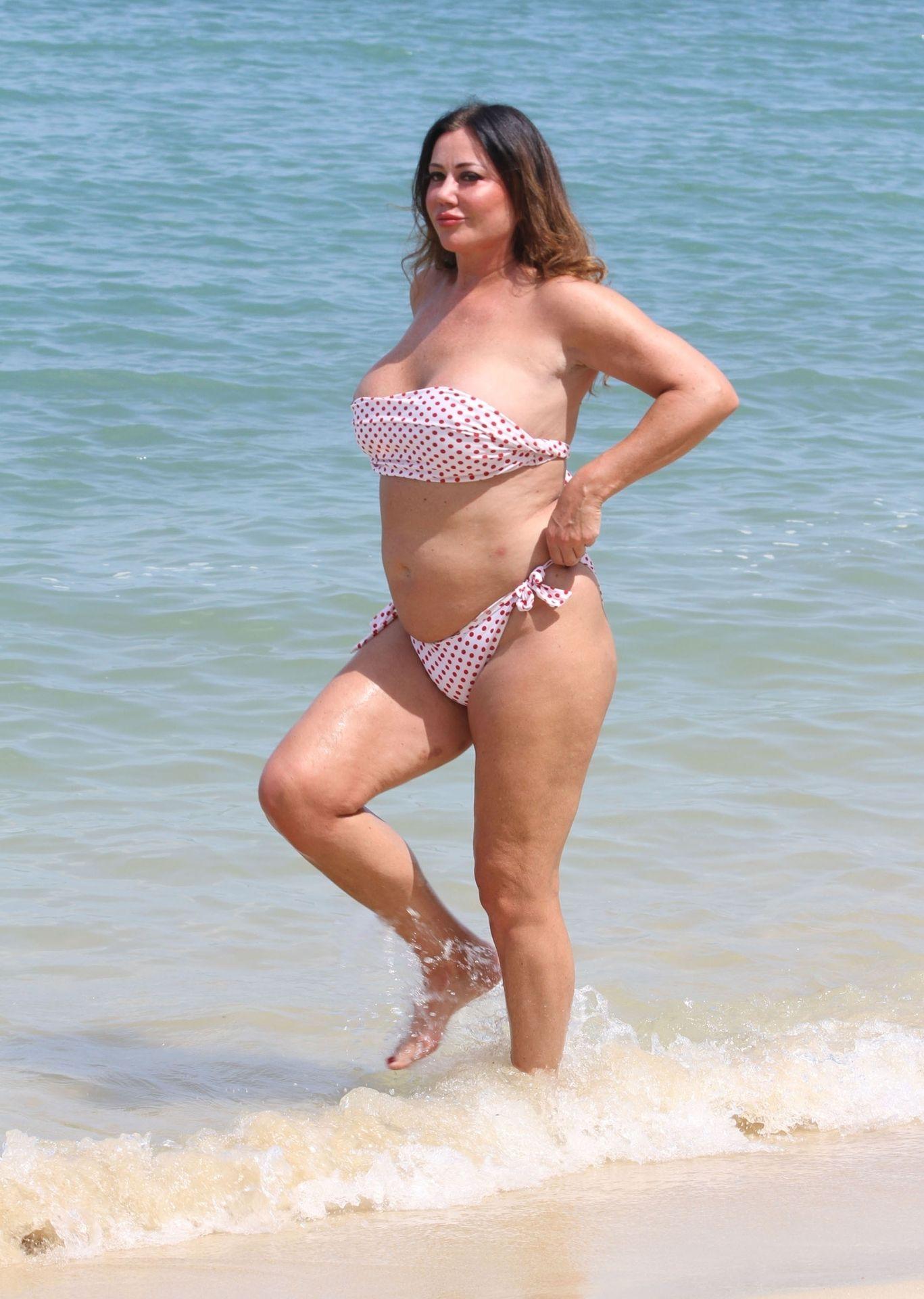 Lisa Appleton Hot & Topless 0013