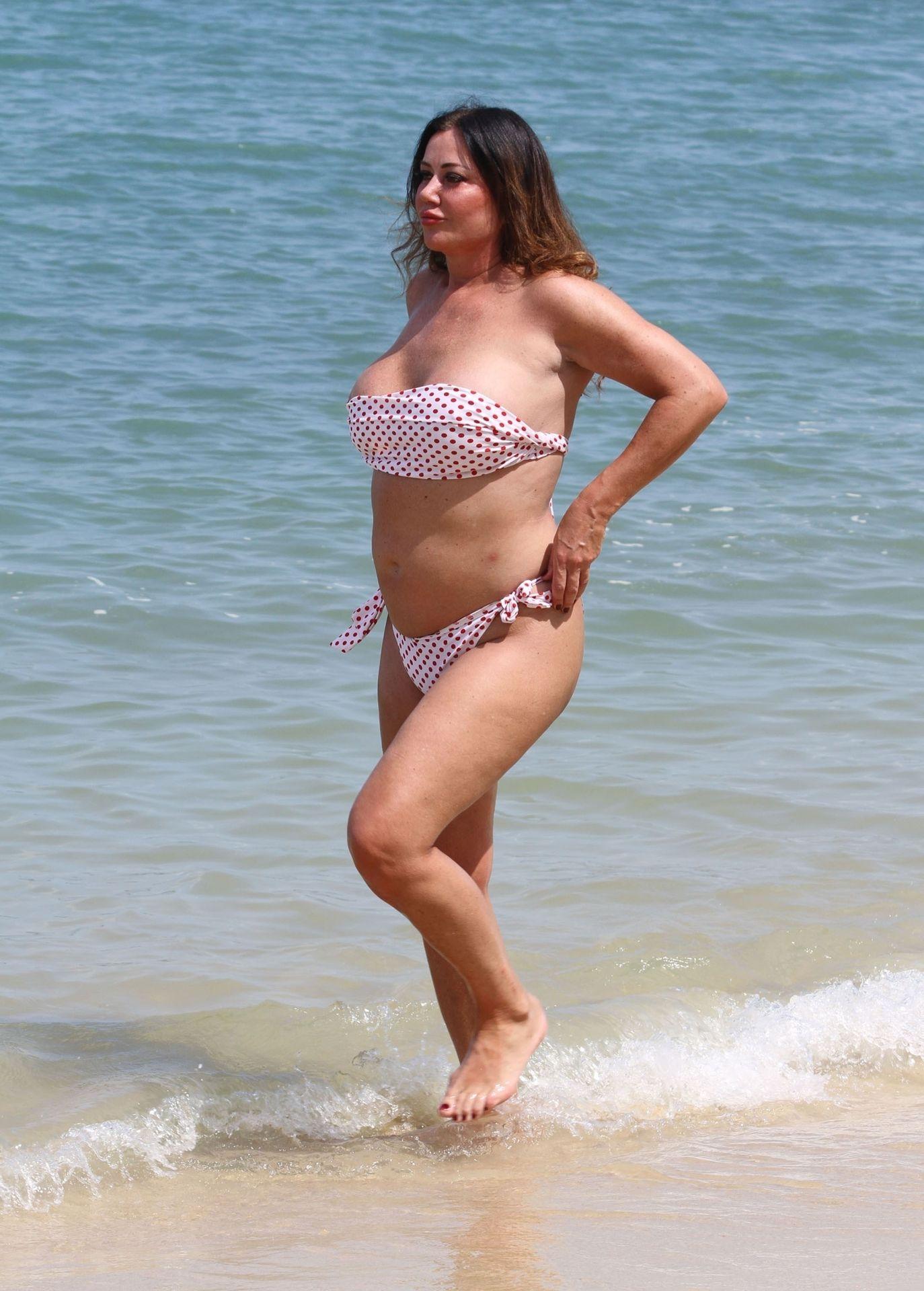 Lisa Appleton Hot & Topless 0014