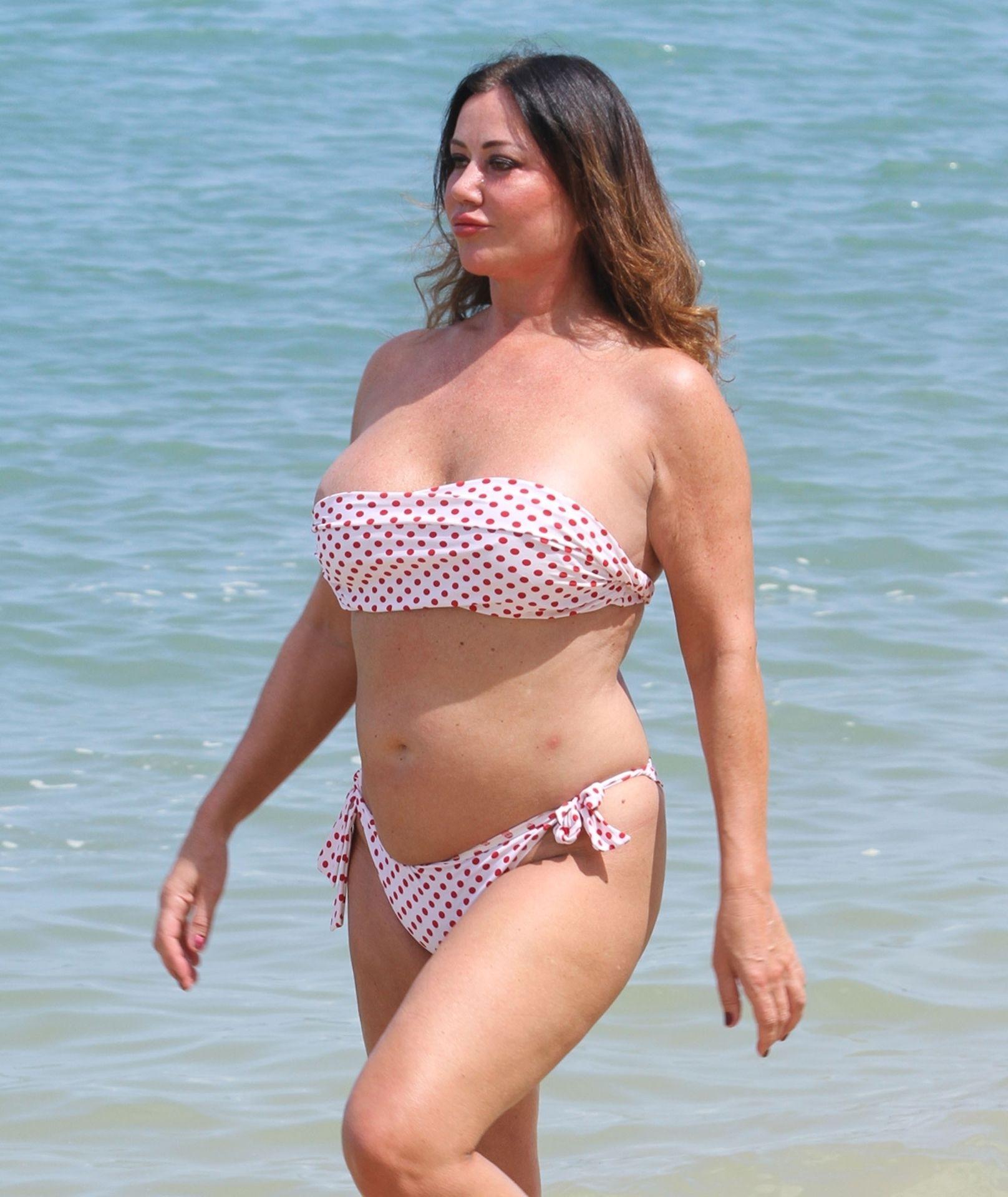 Lisa Appleton Hot & Topless 0016