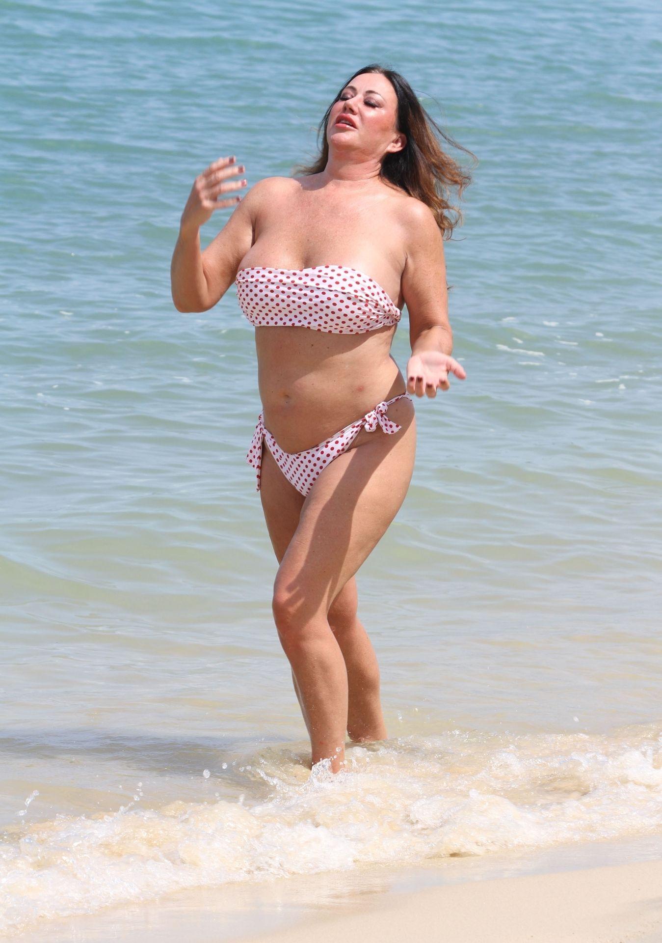 Lisa Appleton Hot & Topless 0017