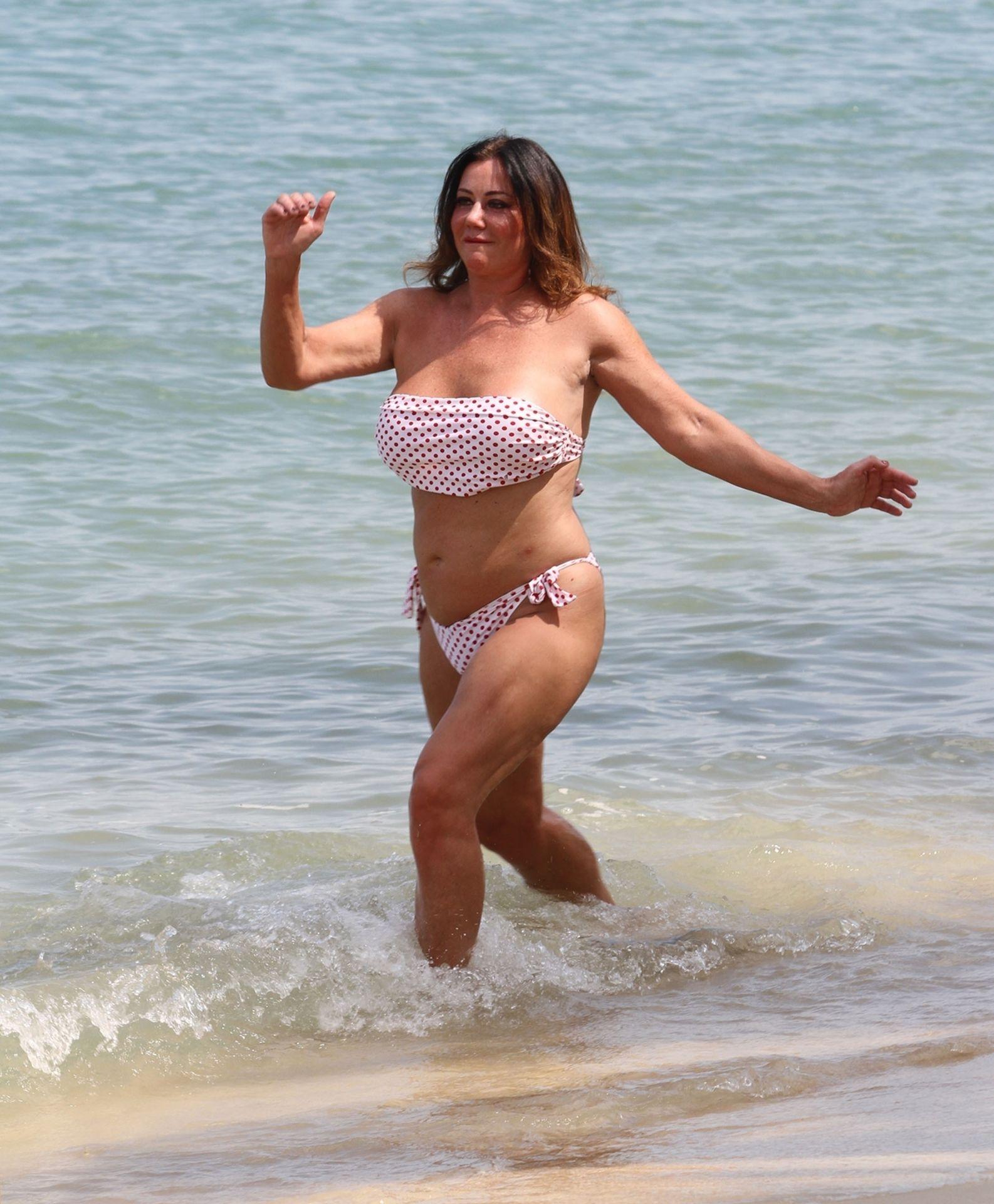 Lisa Appleton Hot & Topless 0036