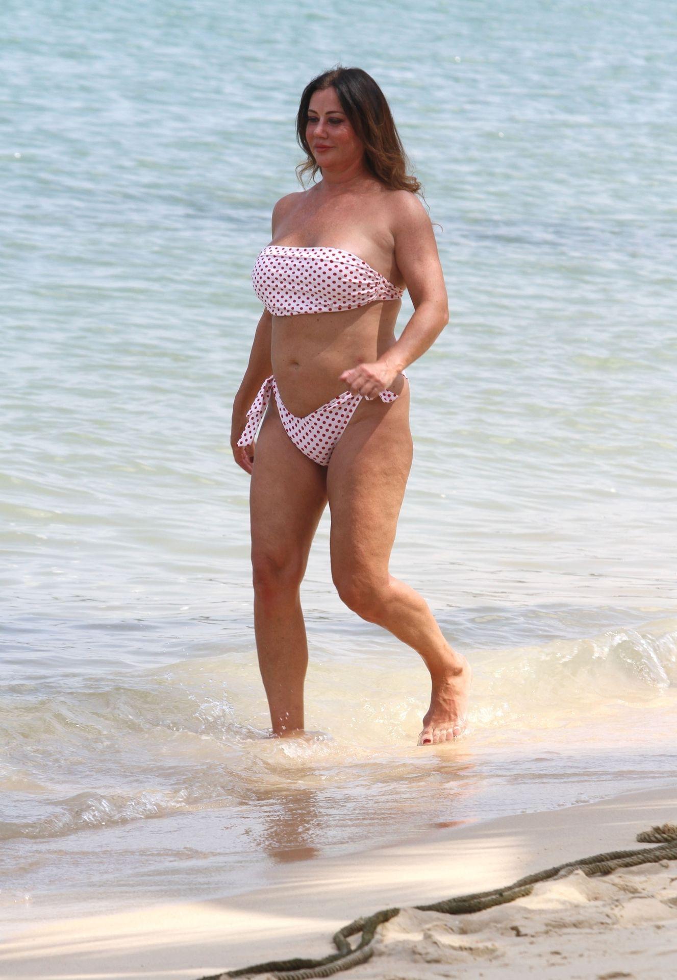 Lisa Appleton Hot & Topless 0037
