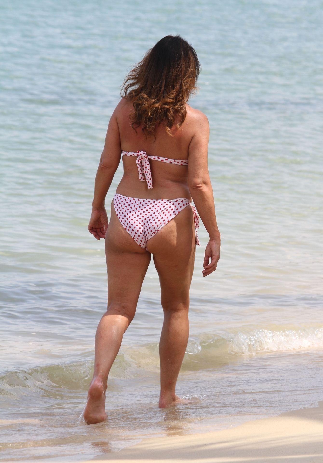 Lisa Appleton Hot & Topless 0039