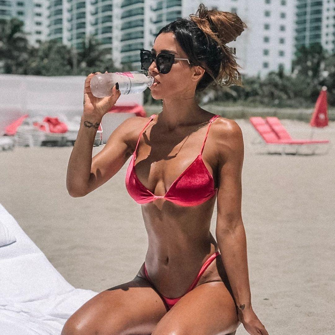 Metisha Schaefer Sexy 0029