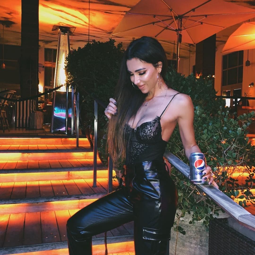 Metisha Schaefer Sexy 0034