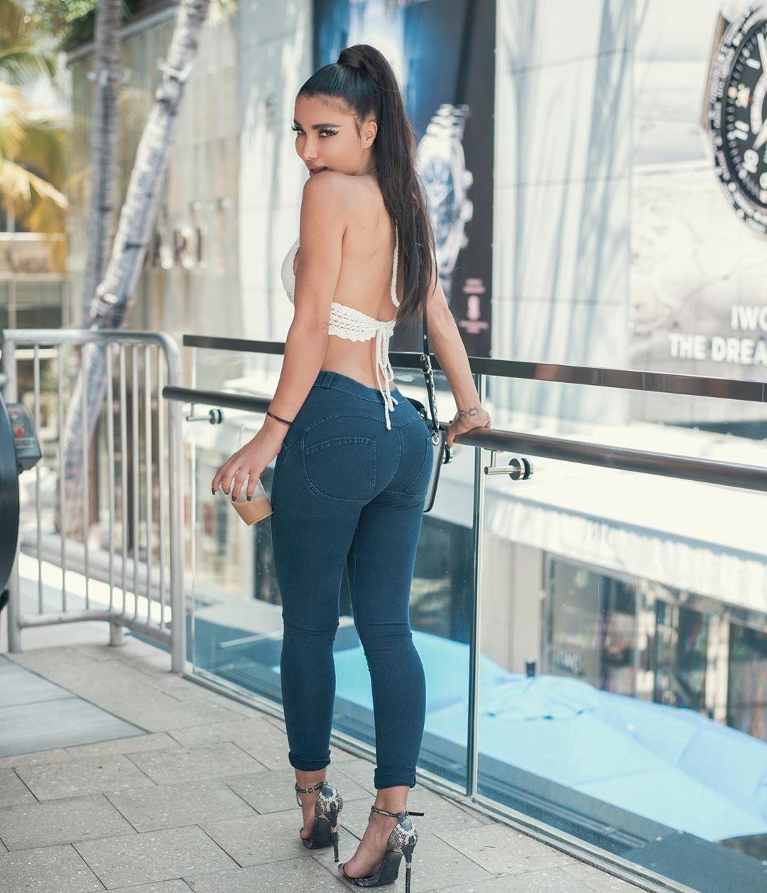 Metisha Schaefer Sexy 0042